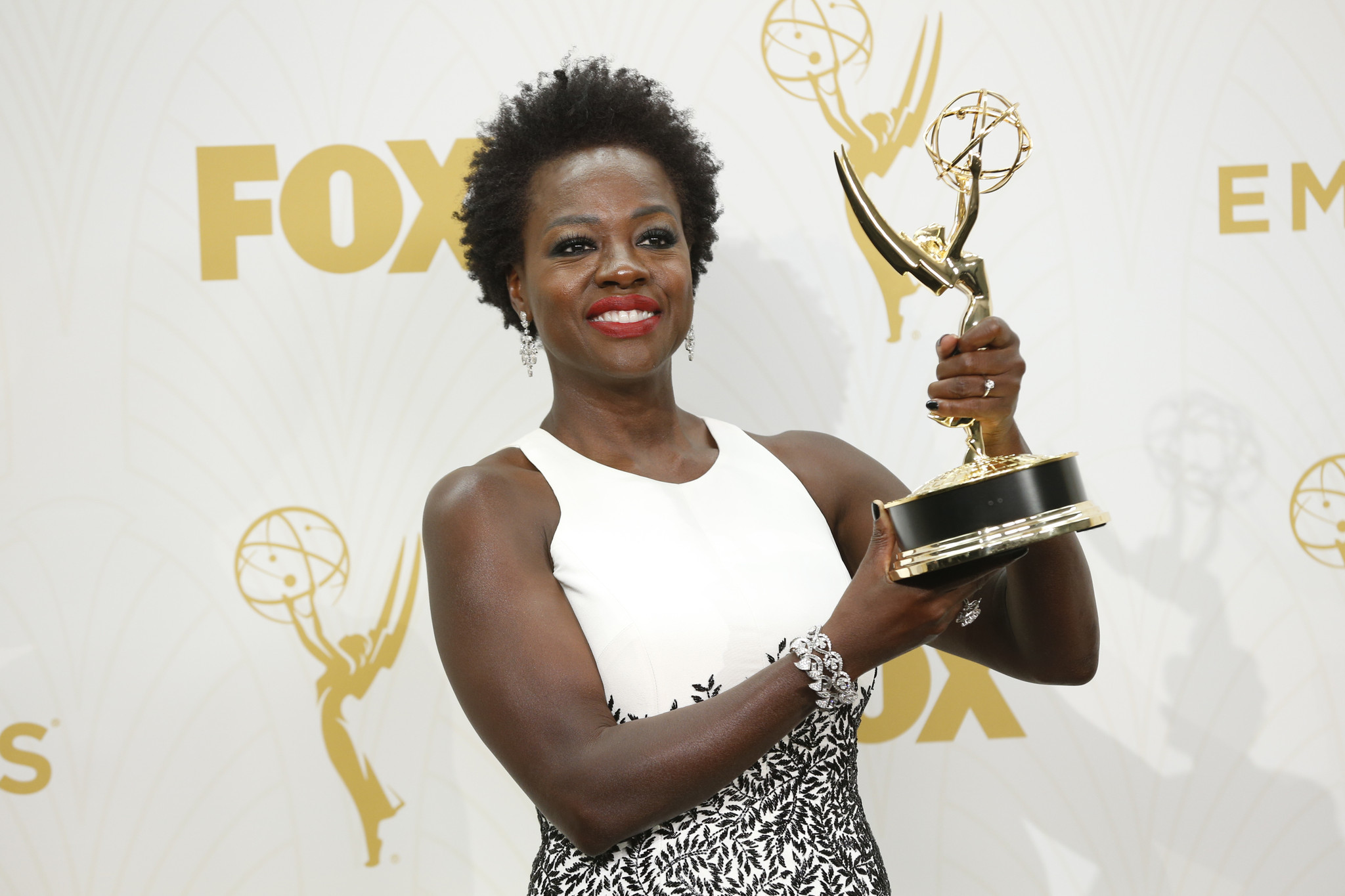 Emmy Awards: Viola Davis Makes History Winning For Lead Drama Actress,  Seizes Opportunity In Her Speech  La Times