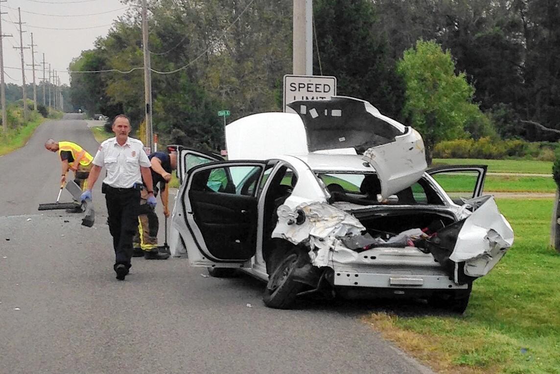 Car Crash Syracuse Indiana