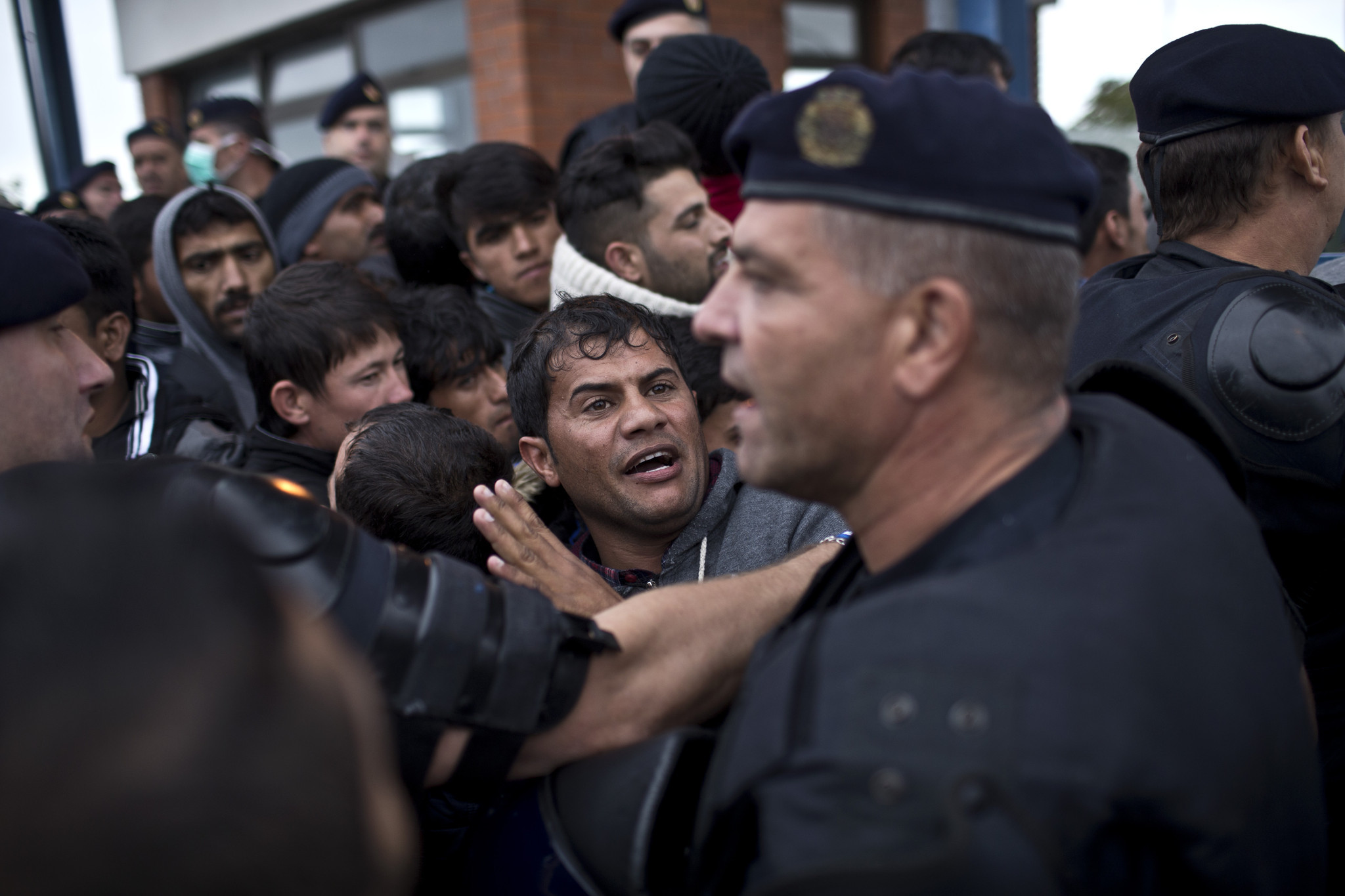 EU ministers agree to relocate 120,000 migrants