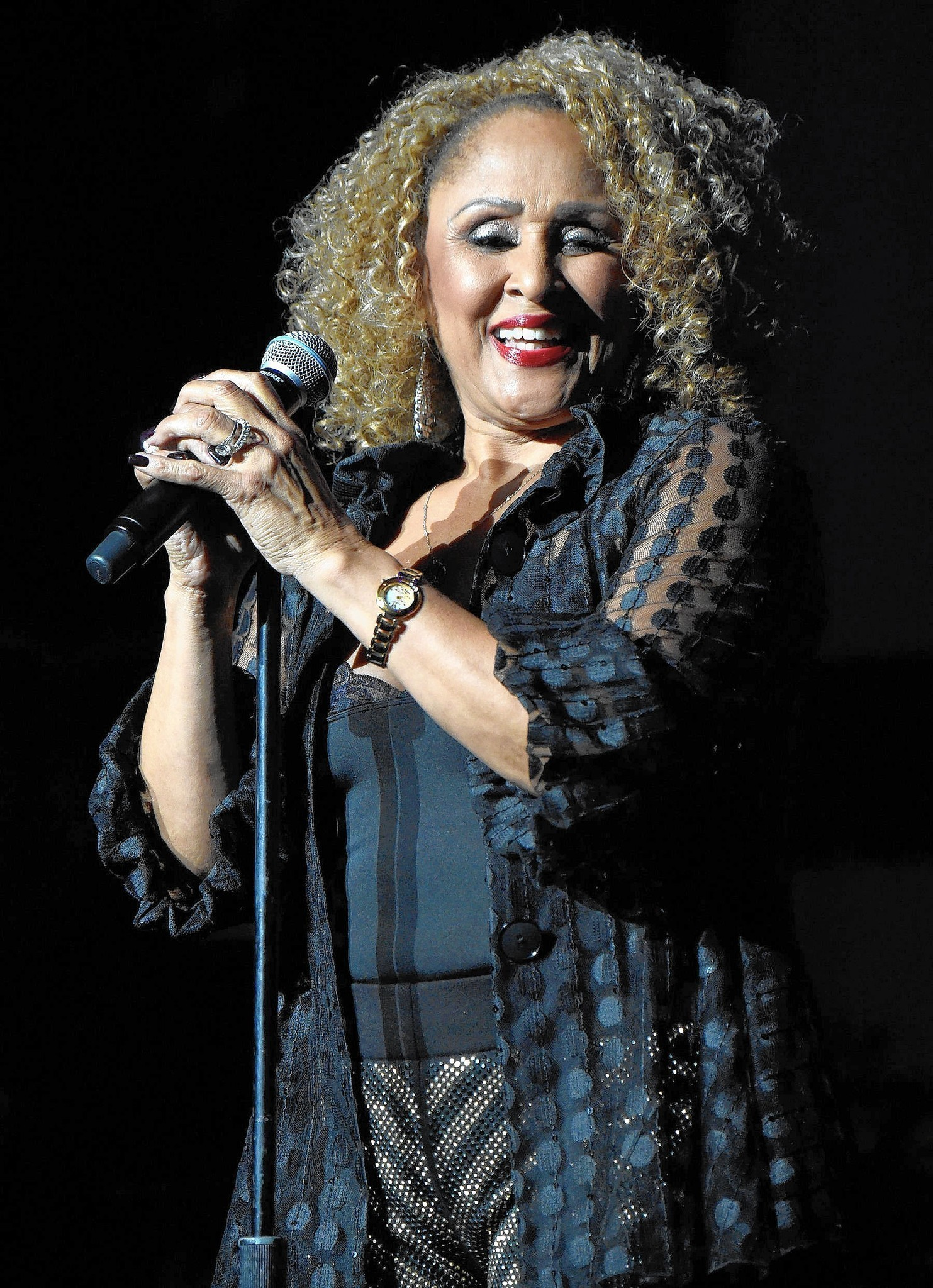 darlene love all alone on christmas lyrics