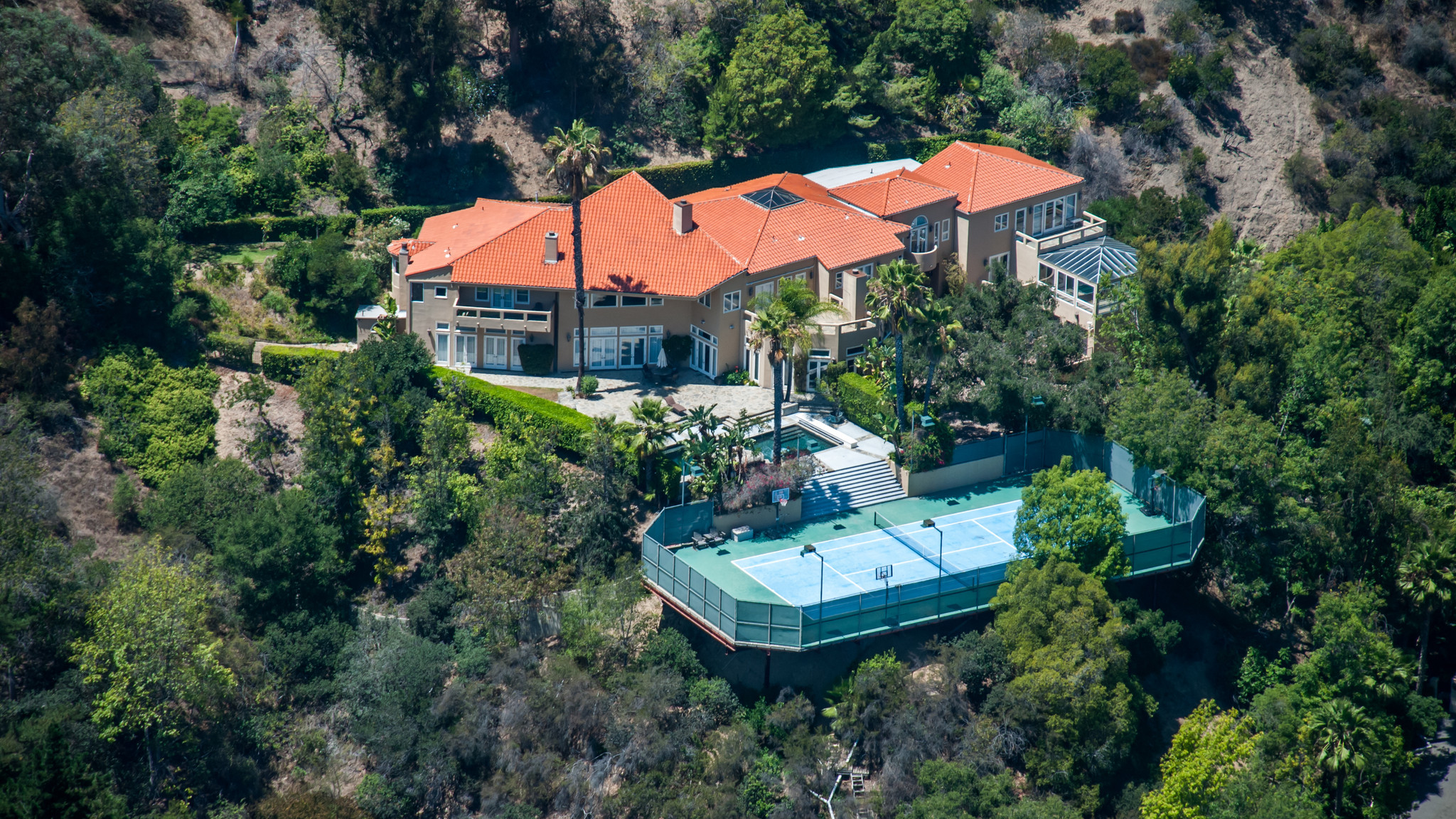 Oscar de la Hoya house in Los Angeles