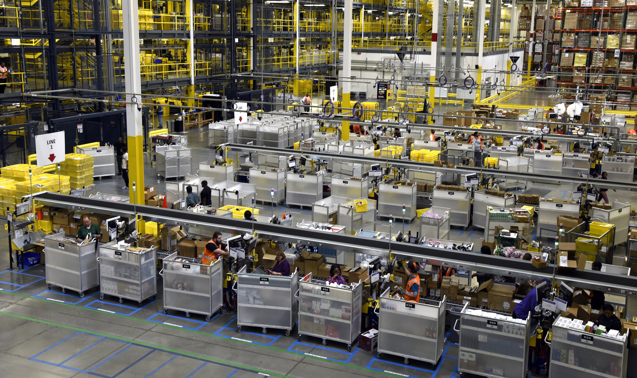Amazon Showcases Robots At Massive New Warehouse