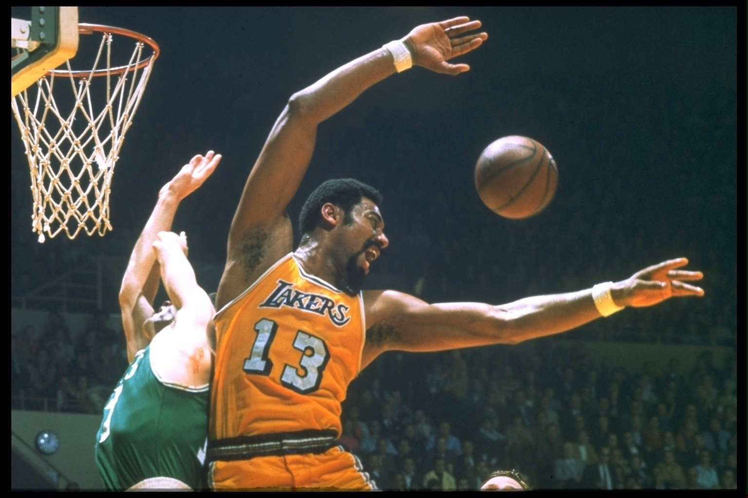 From the Archives Basketball s Wilt Chamberlain Dies at 63 LA Times