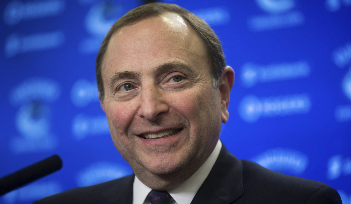 http://www.trbimg.com/img-560b06c5/turbine/la-sp-sn-nhl-gary-bettman-expansion-quebec-city-las-vegas20150929