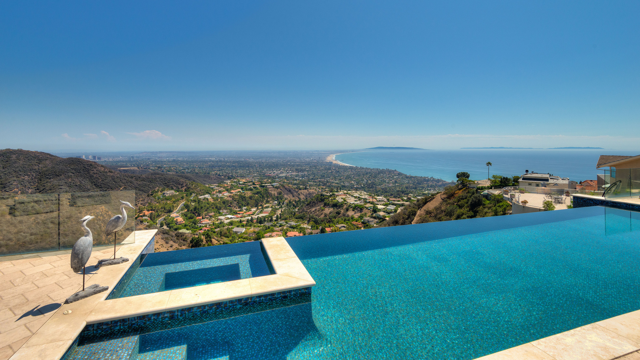 Home Of The Day Picture Perfect View Of Queen S Necklace In Pacific Palisades La Times