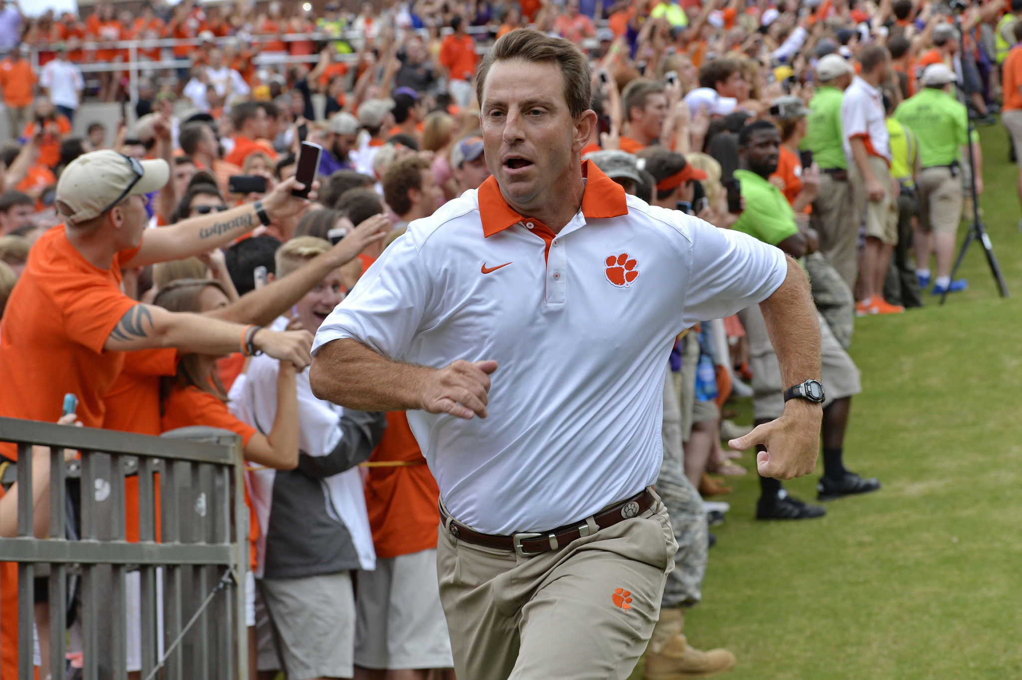 Dabo Swinney's swipes at Notre Dame's independence miss ...