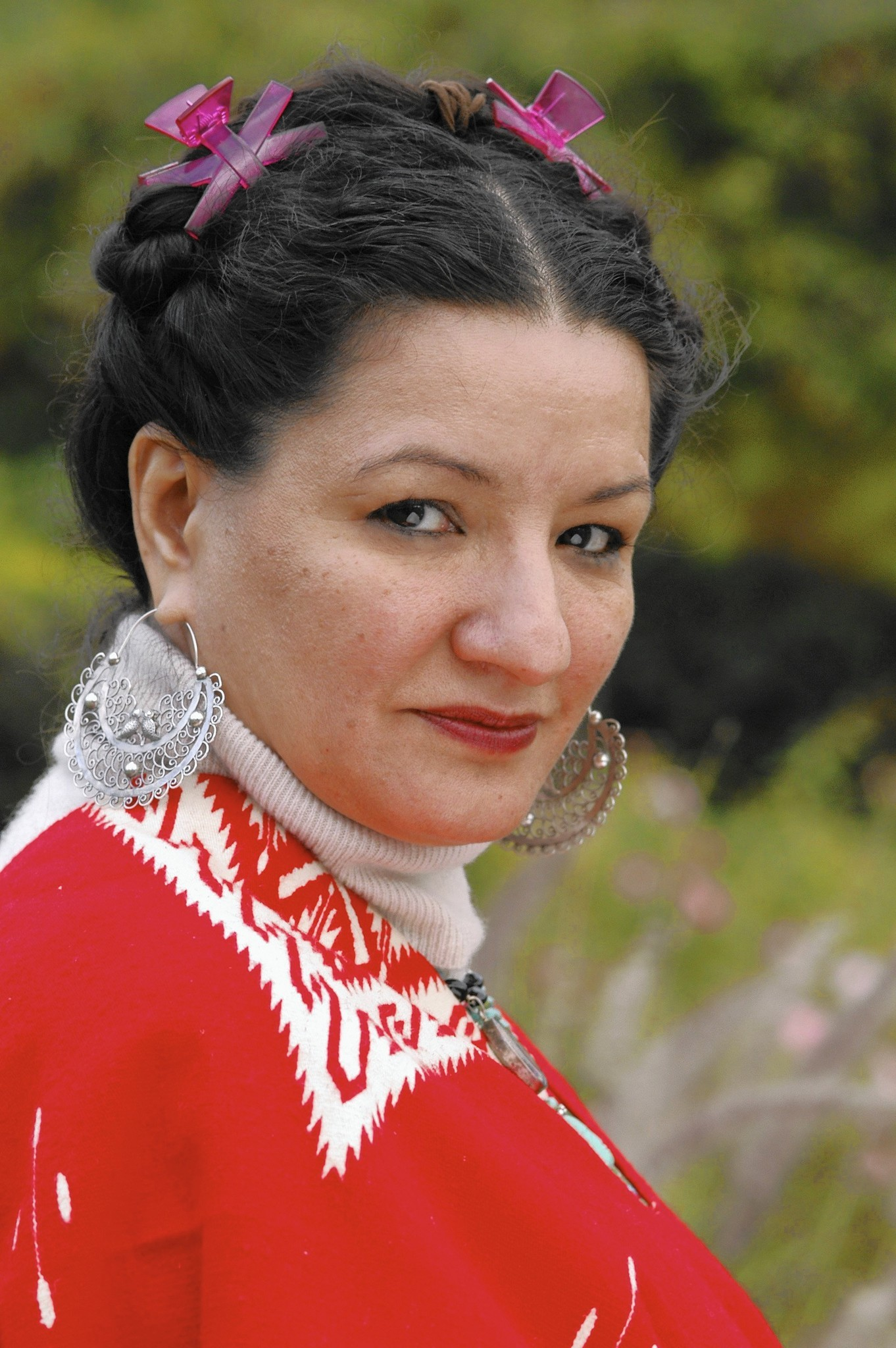 sandra cisneros only daughter essay analysis