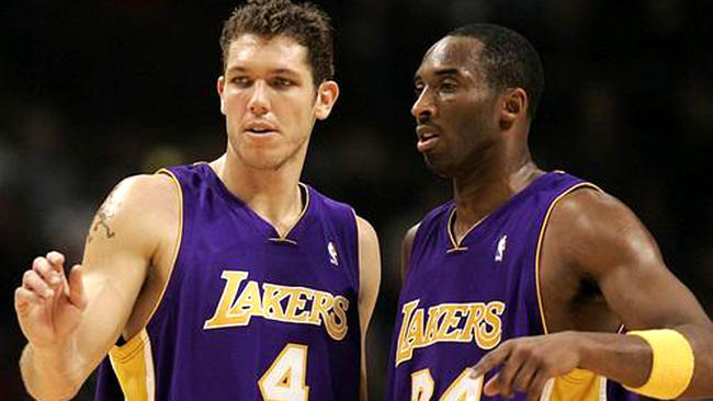 Luke Walton signed as new Lakers' coach