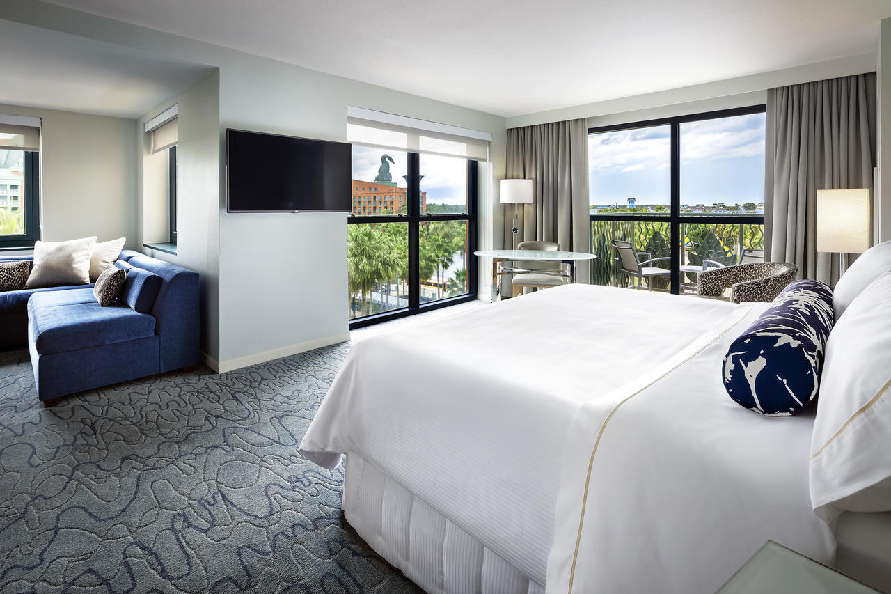 Pictures Renovated Rooms At Disney Swan And Dolphin Hotel
