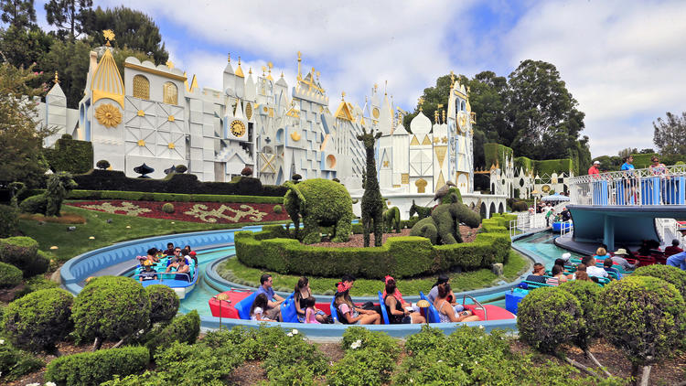 Disneyland annual pass with no blackout days now costs more than $1,000 | LA Times