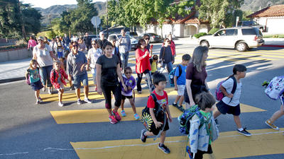 Thousands take to Glendale streets for International Walk to School Day