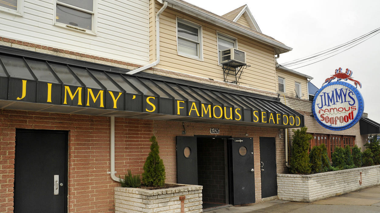 4 men stabbed  1 woman hit at jimmy u0026 39 s famous seafood in