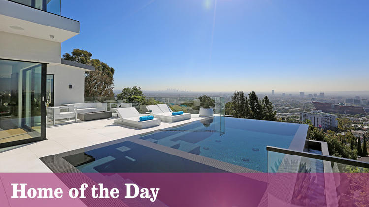 Home of the Day: A clear-through view in Hollywood Hills West