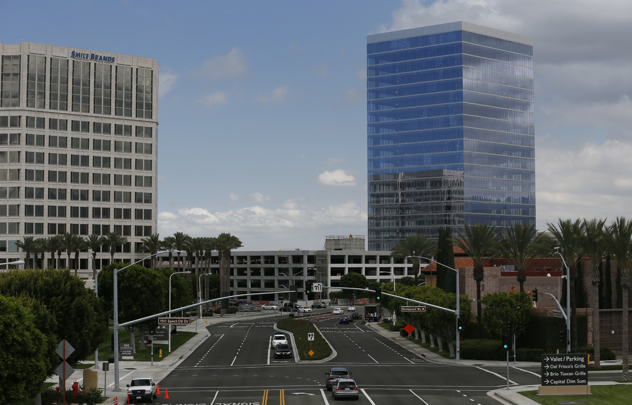 Battery Powered Buildings : Batteries to power o c office buildings la times
