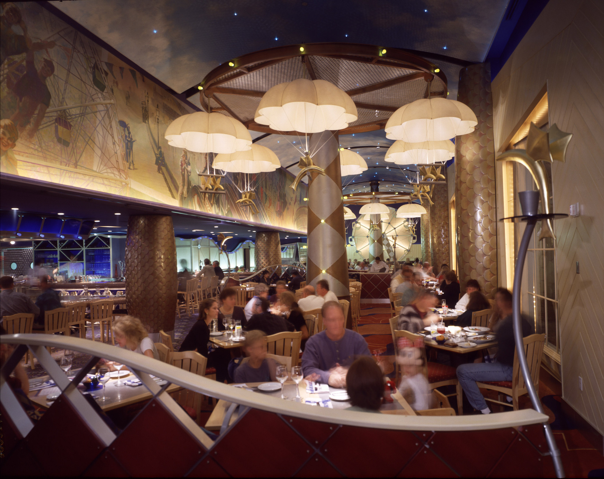 Disney world 39 s flying fish cafe to close for renovation for Flying fish cafe disney