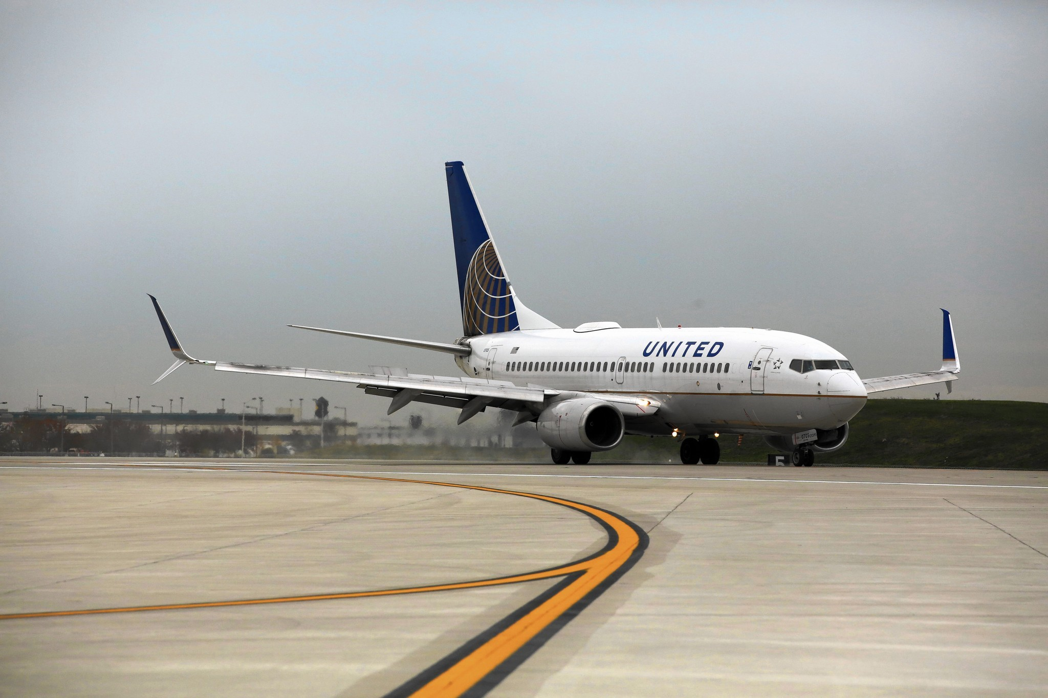 O'Hare opens new runway