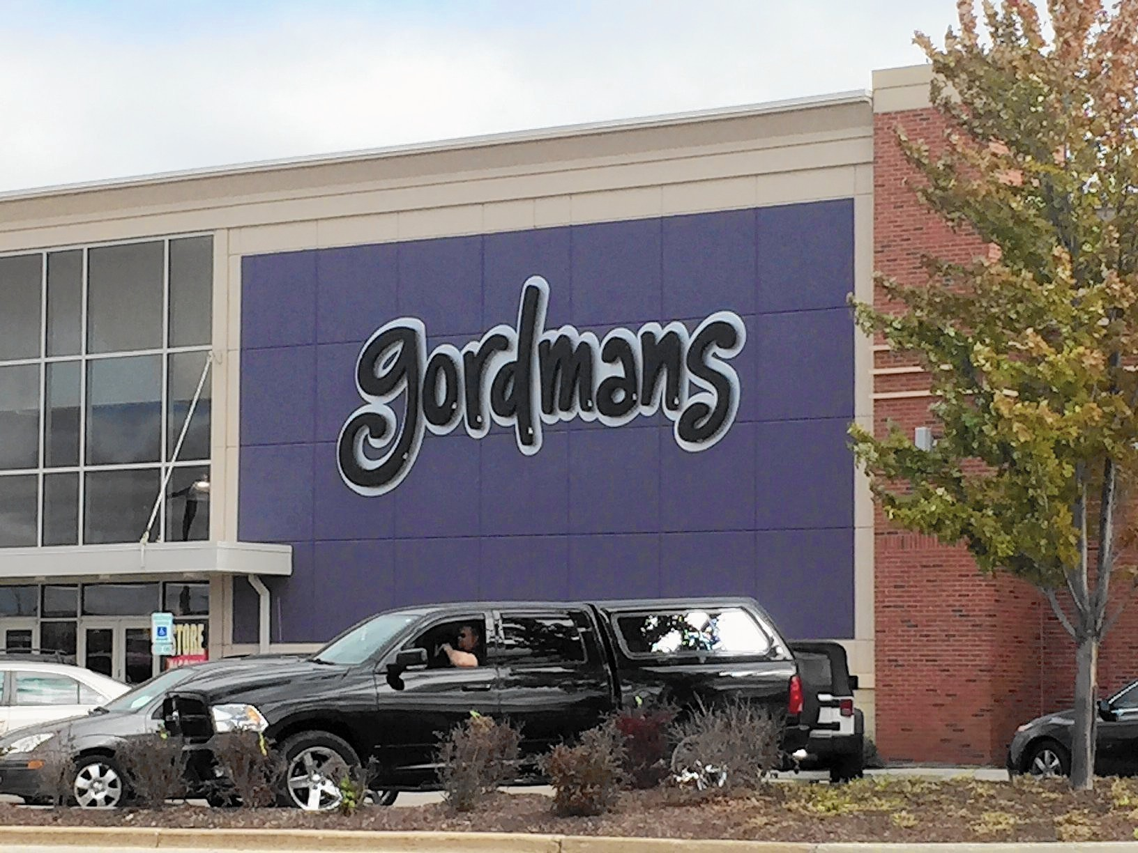 Gordman 39 S Set To Close Art Van Furniture To Open In Its Place Elgin Courier News