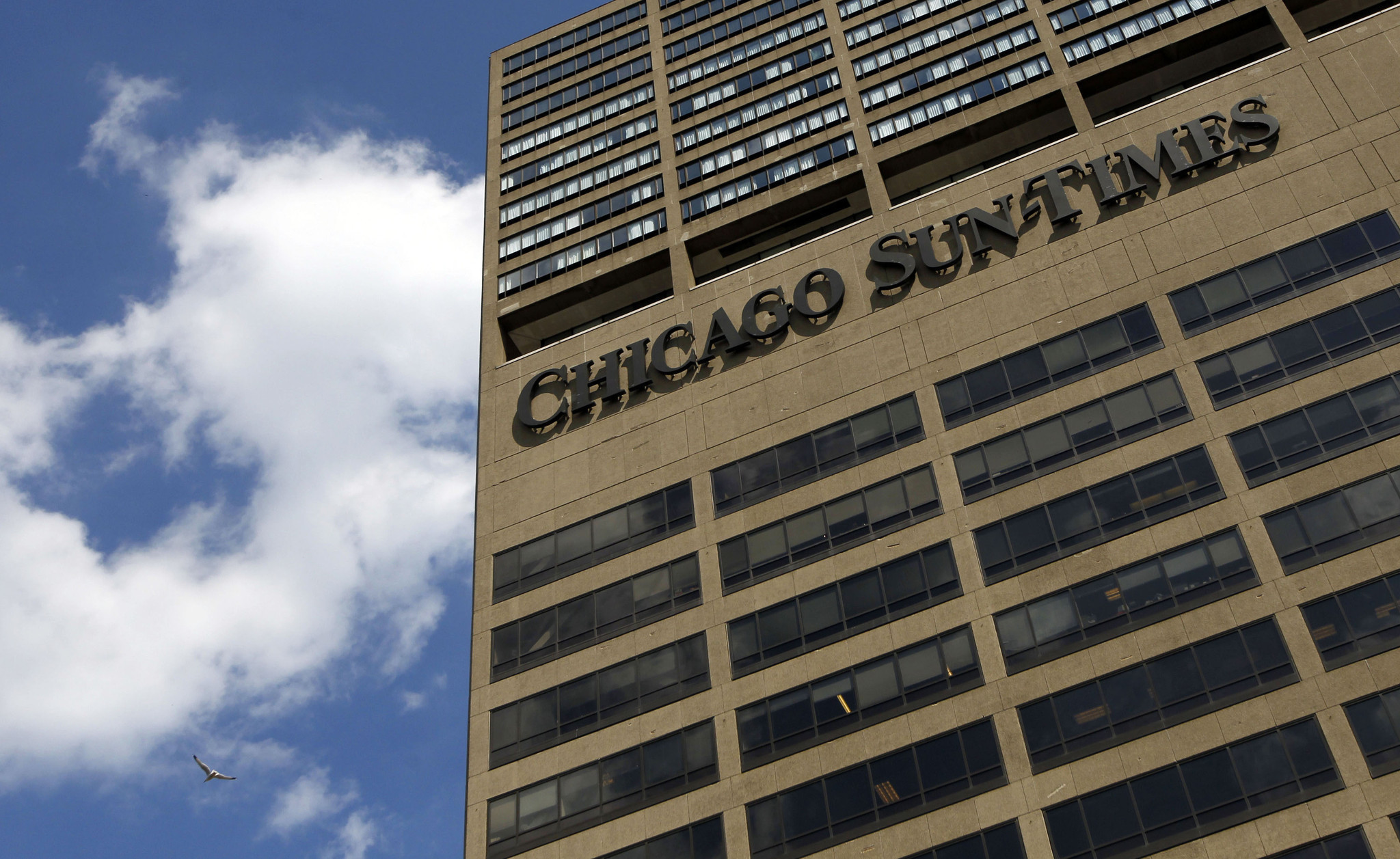 chicago tribune sunday paper The chicago tribune raised its single-copy newsstand price from $100 to $150 on monday the price increase affects monday through saturday editions the cost of the sunday paper will remain.