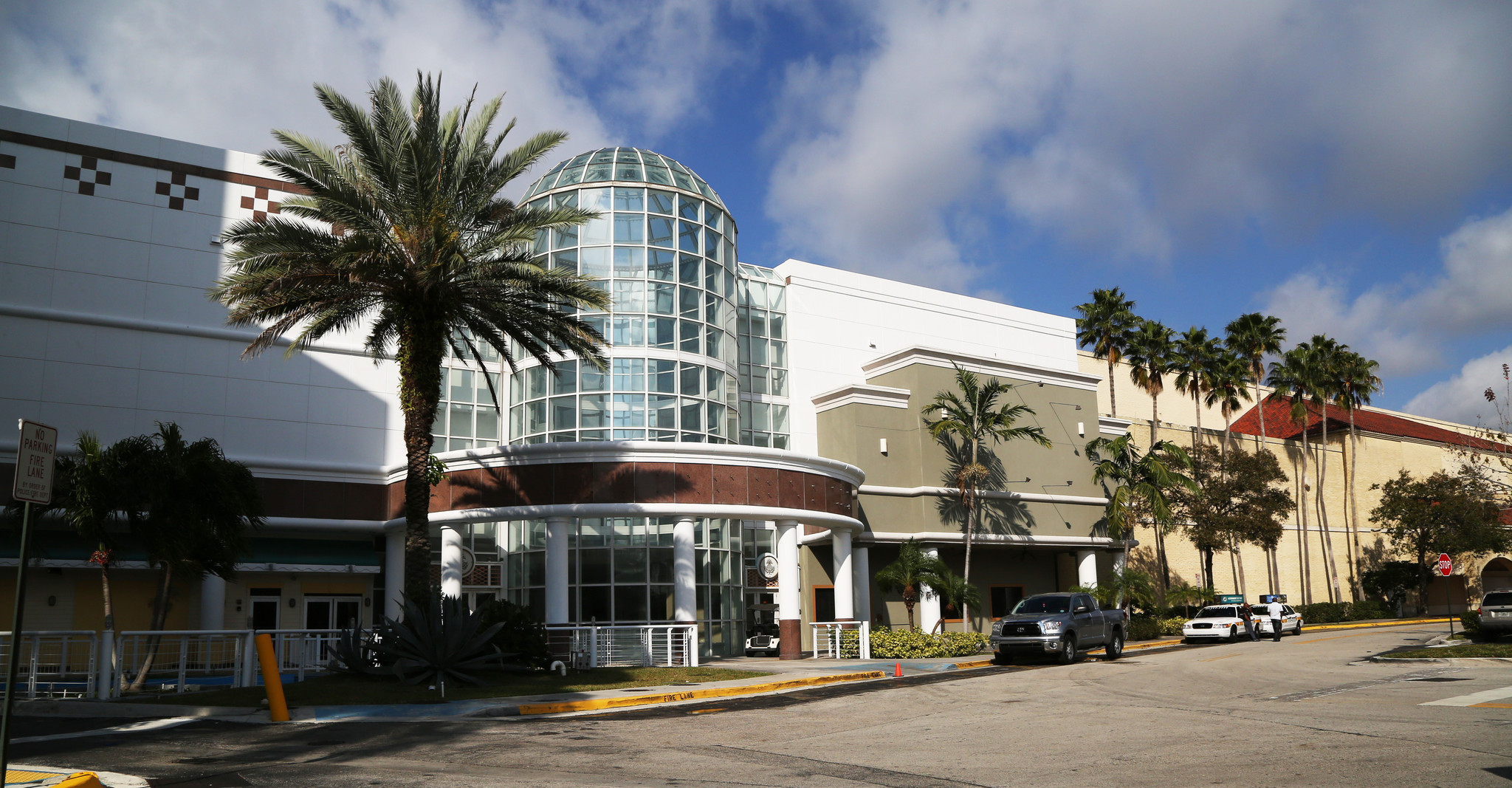 Fashion Mall gets new name: Plantation Walk - Sun Sentinel 85