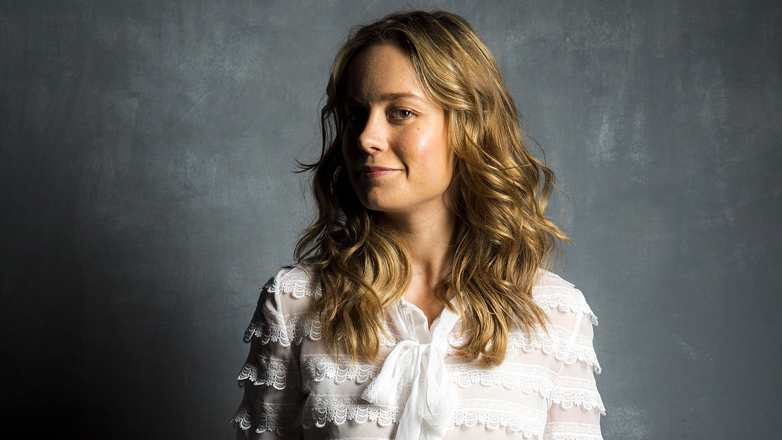 39 room 39 s 39 brie larson says 39 it 39 s not gonna look pretty 39 but it will be real la times. Black Bedroom Furniture Sets. Home Design Ideas