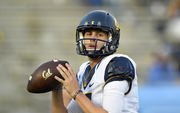 Jared goff 39 s a college spread quarterback with pro style for Goff pictures