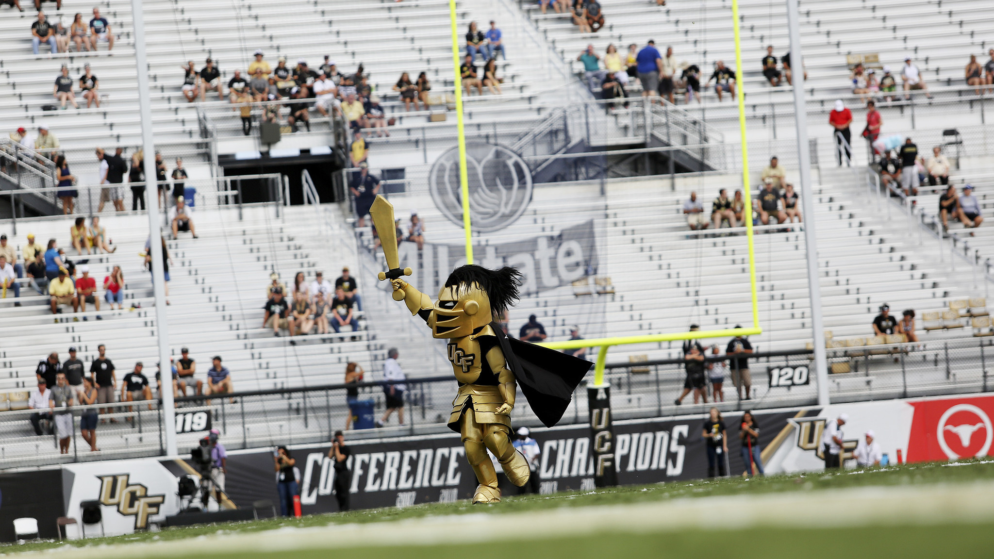 Ucf Attendance Lags During Homecoming Loss To No 21 Houston