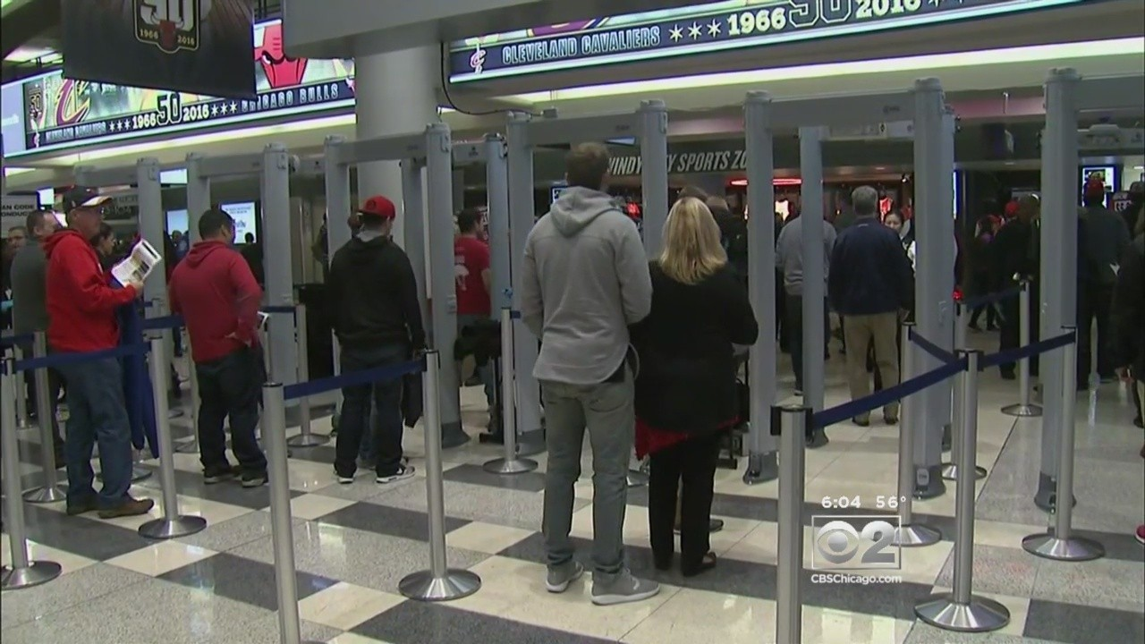 Security At United Center Tight For Bulls Opener Obama