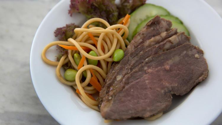 Gingered sliced beef