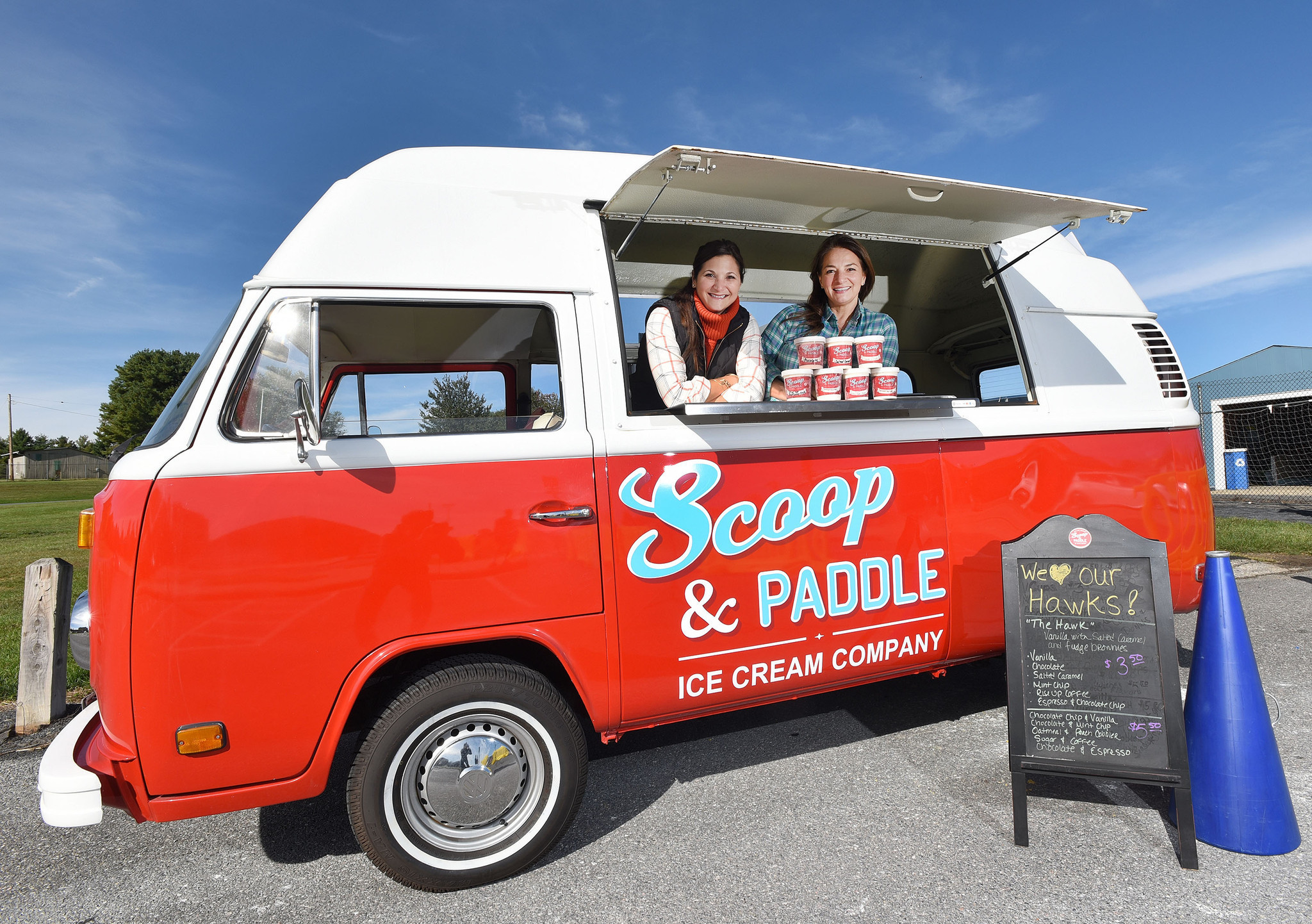 sisters in law launch scoop u0026 paddle retro ice cream truck