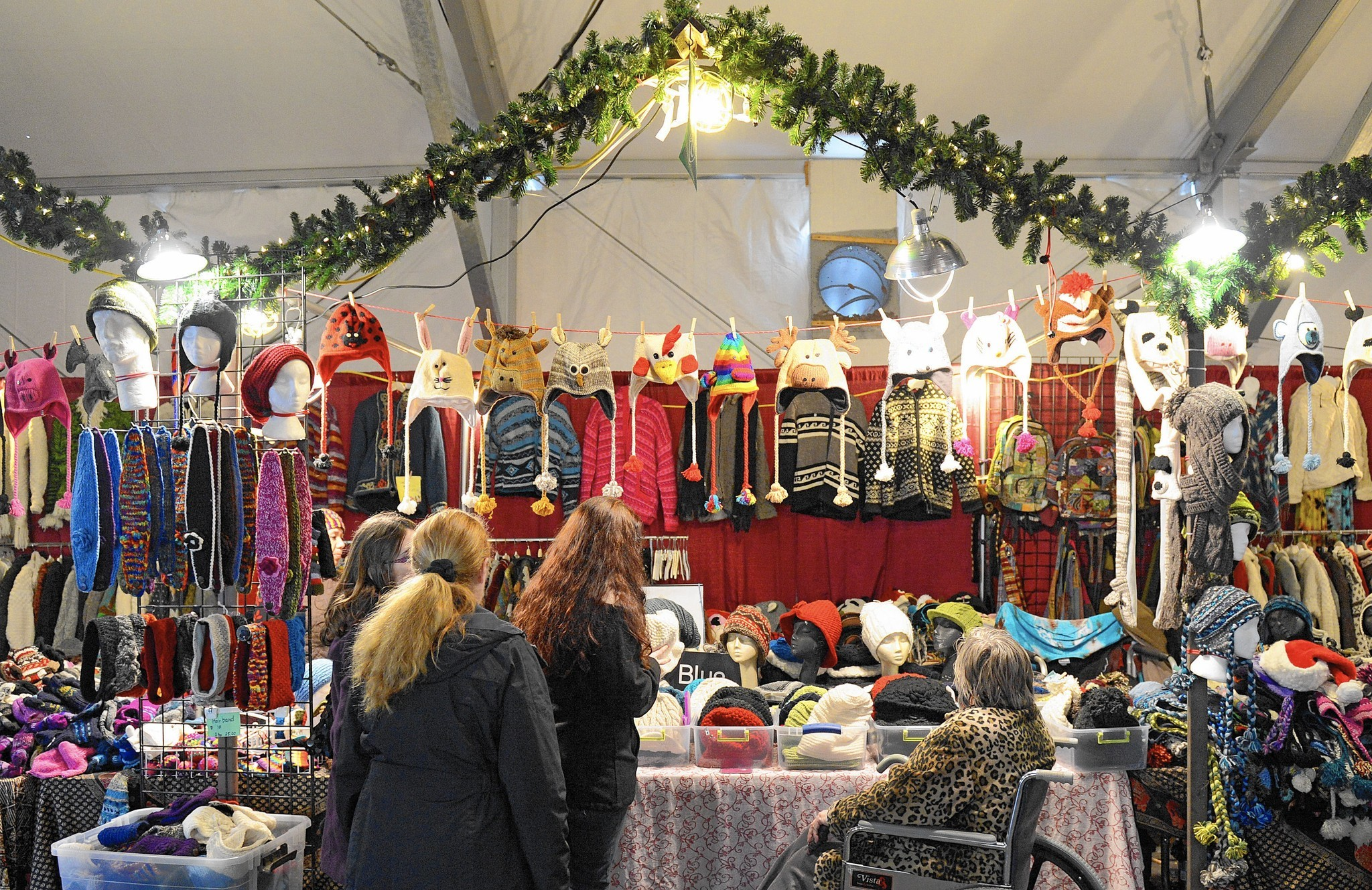 Lehigh valley holiday craft shows discover the unique and for Local arts and crafts stores