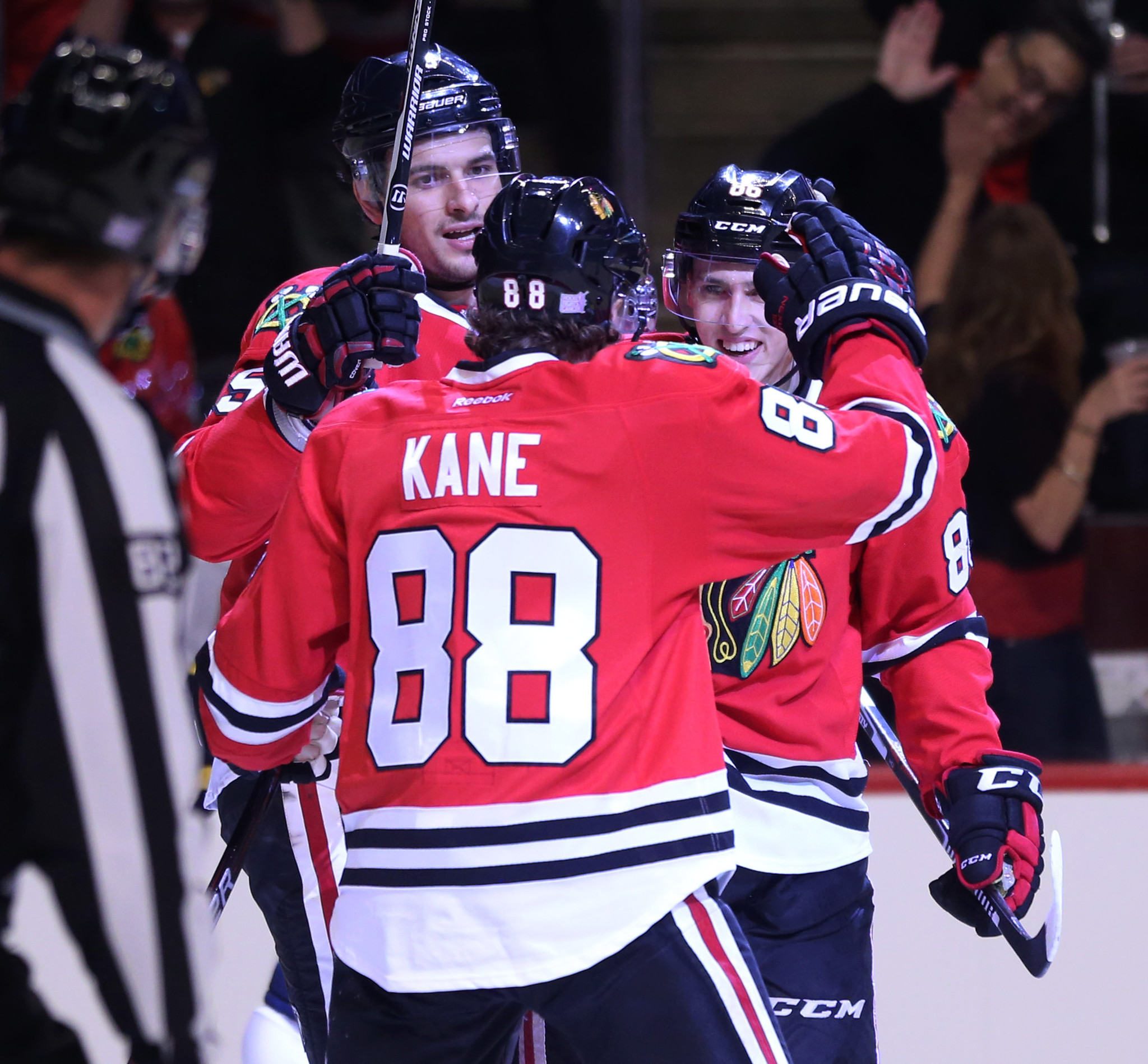 Blackhawks blow three-goal lead in 6-5 loss to Blues in overtime