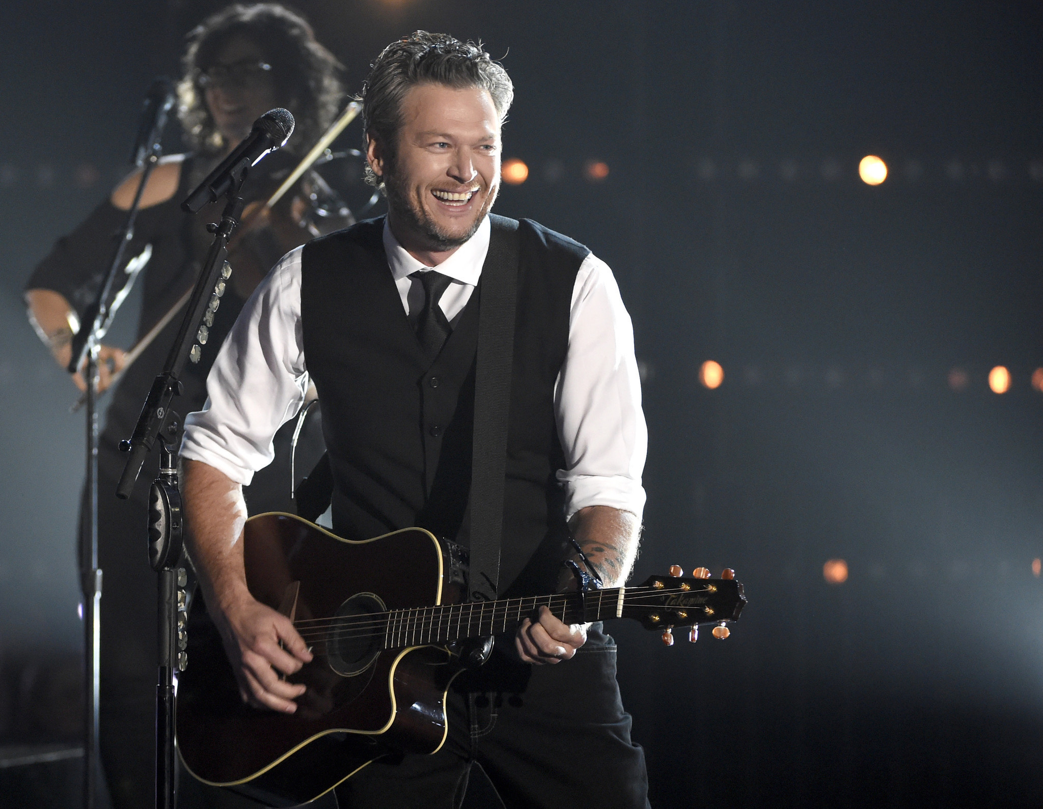 Blake shelton dates in Perth