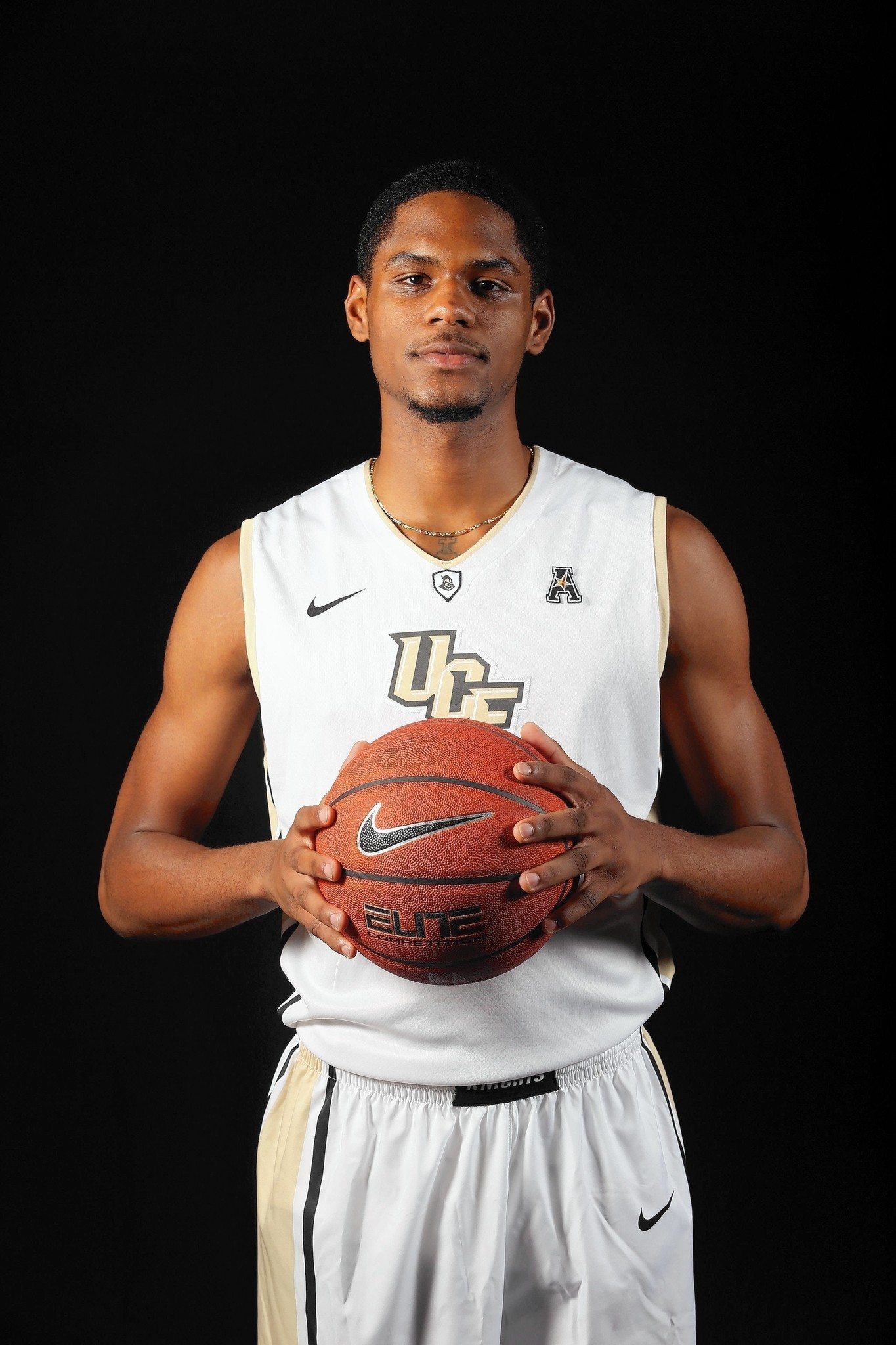 Tennessee hoops transfer A J Davis is eager to help Knights win