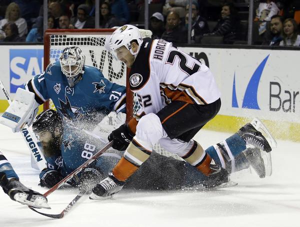 Ducks Hold Off San Jose Sharks, 1-0