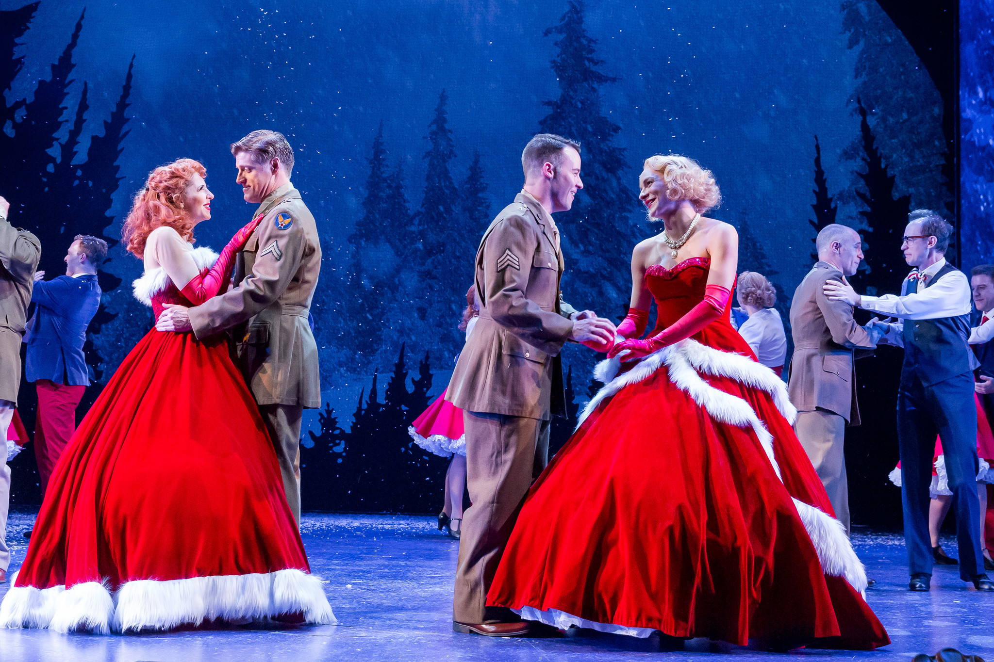 review white christmas at drury lane theatre 25 stars chicago tribune - White Christmas Play