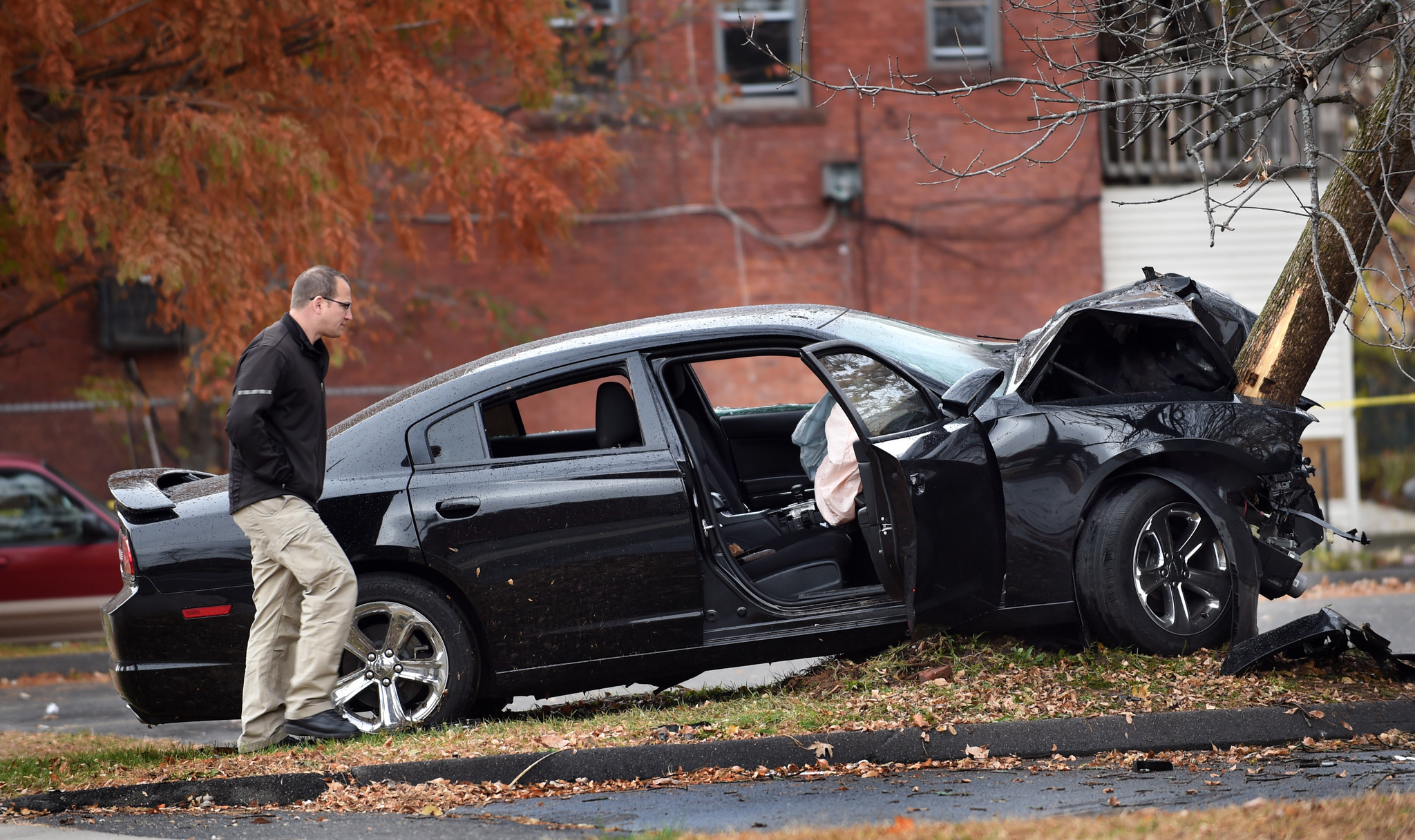 Car Accident Tree Ct Friday