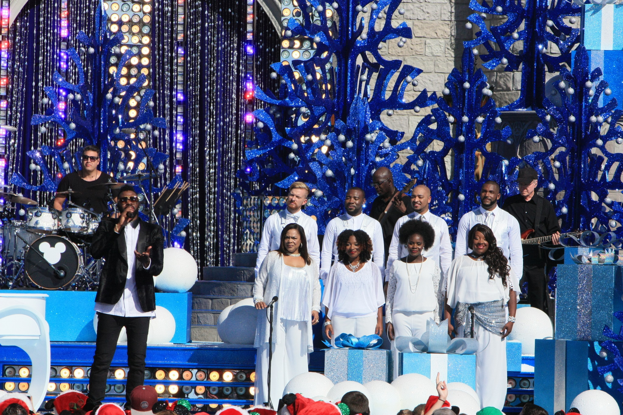 disney parks unforgettable christmas celebration taping orlando sentinel