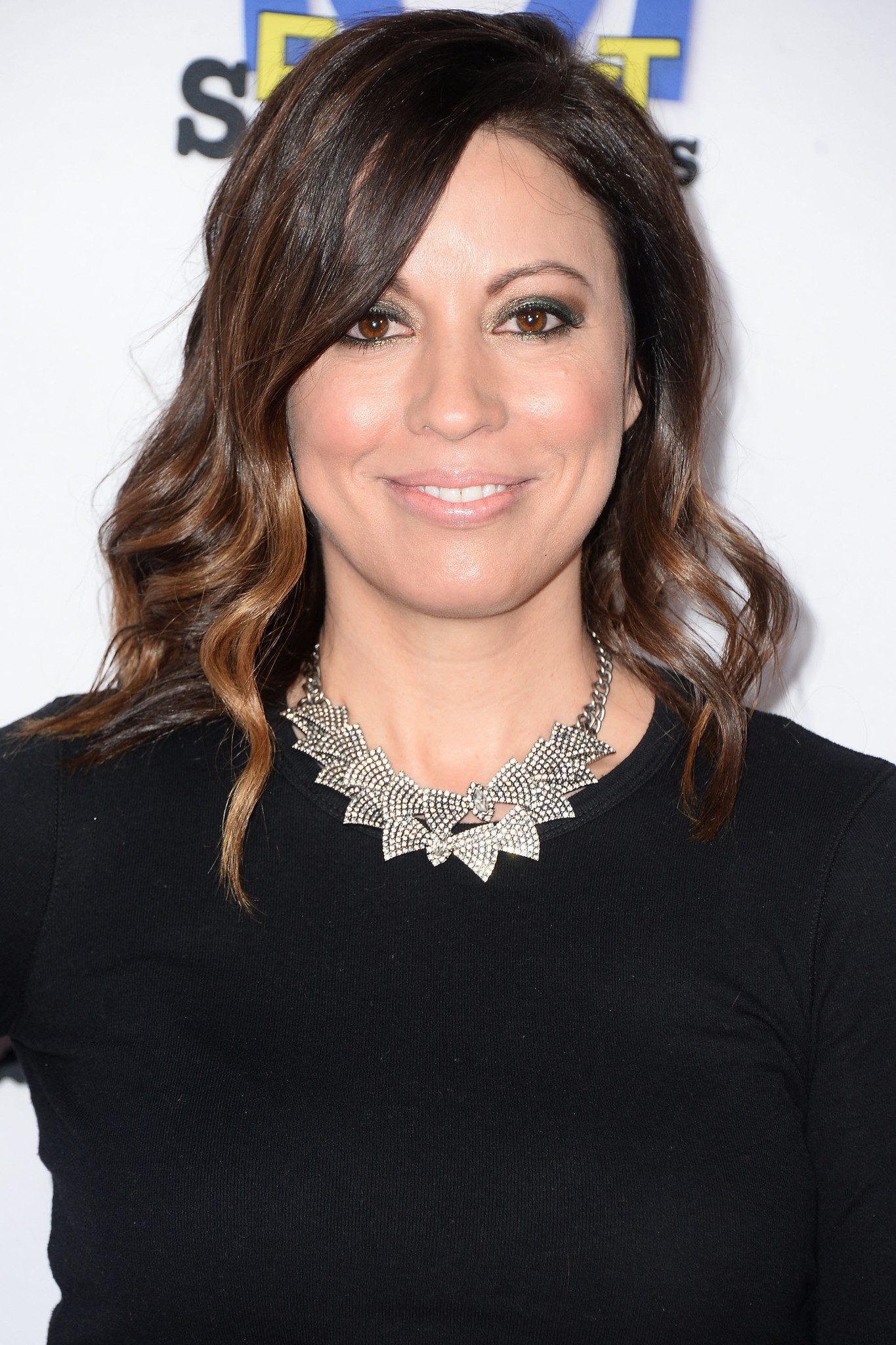 kay cannon bechloekay cannon birthday, kay cannon, kay cannon age, kay cannon twitter, kay cannon biography, kay cannon pitch perfect 3, kay cannon net worth, kay cannon jason sudeikis, kay cannon imdb, kay cannon instagram, kay cannon pitch perfect 2, kay cannon jason, kay cannon divorce, kay cannon lewis university, kay cannon and eben russell, kay cannon bechloe, kay cannon netflix, kay cannon coach, kay cannon images