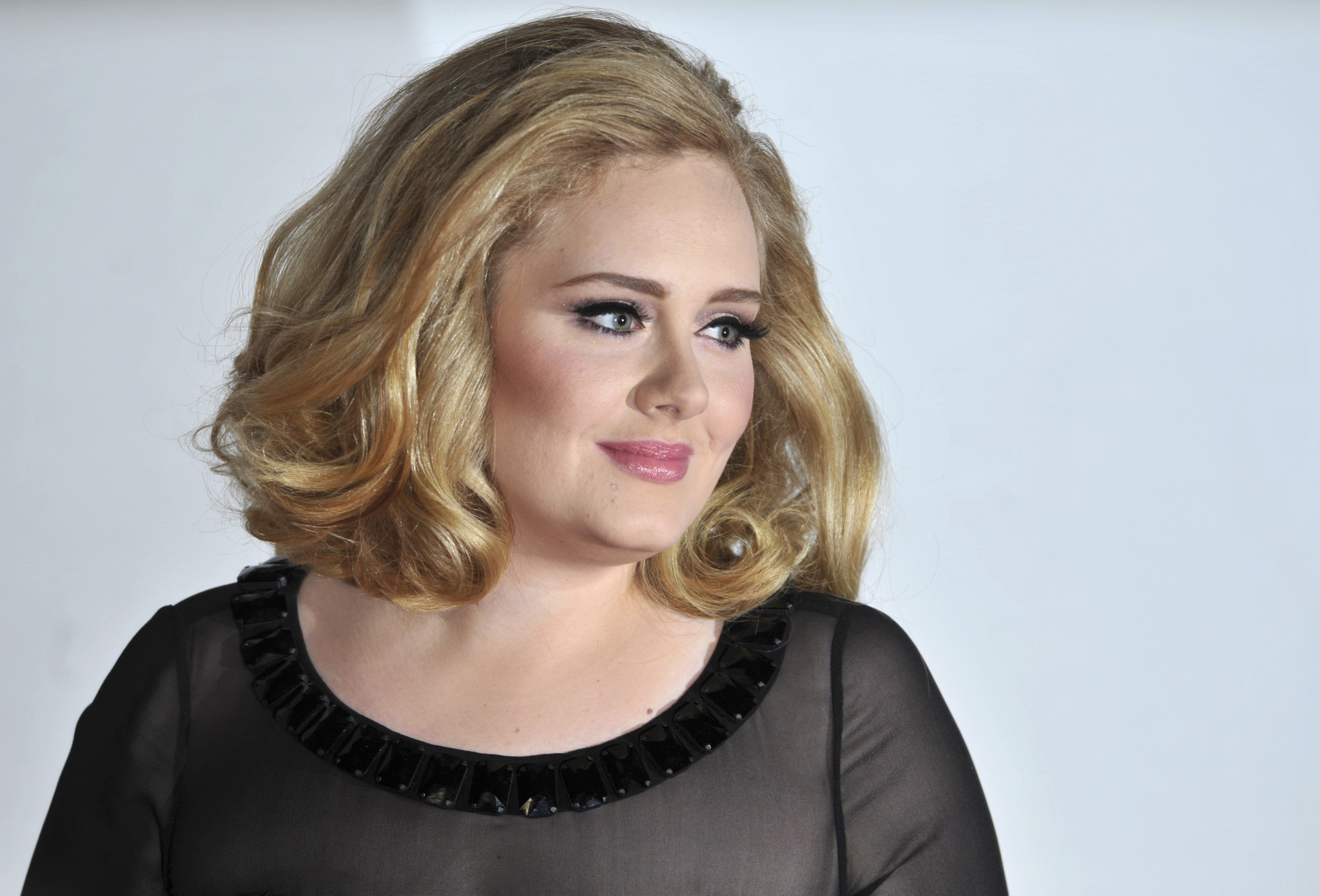 does adele write her own songs She has been very vocal about the fact that she does not write her own songs cover one of my songs today, the original version with adele still her own songs.