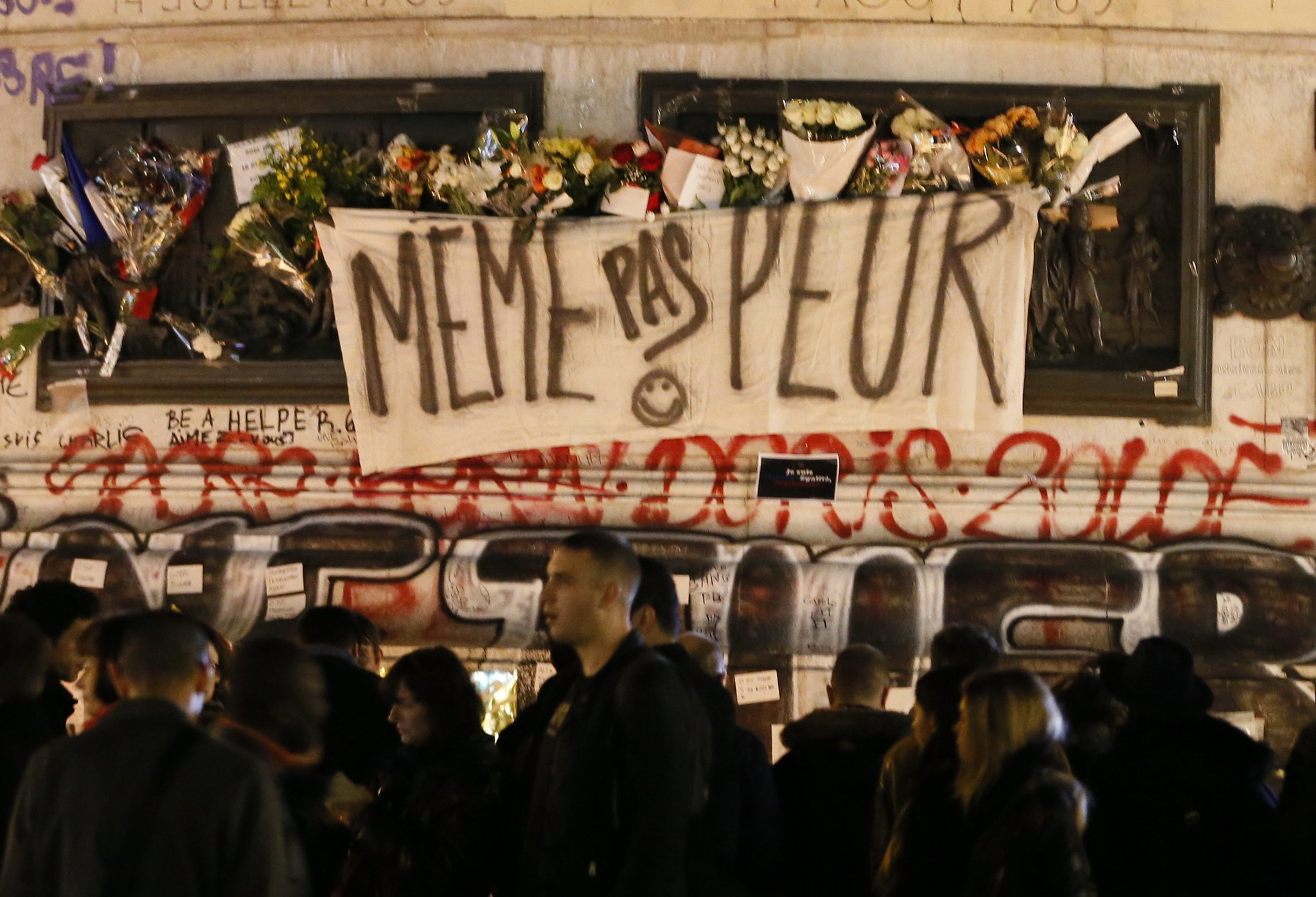 France identifies Paris attacks mastermind, seeks coalition to fight ISIS