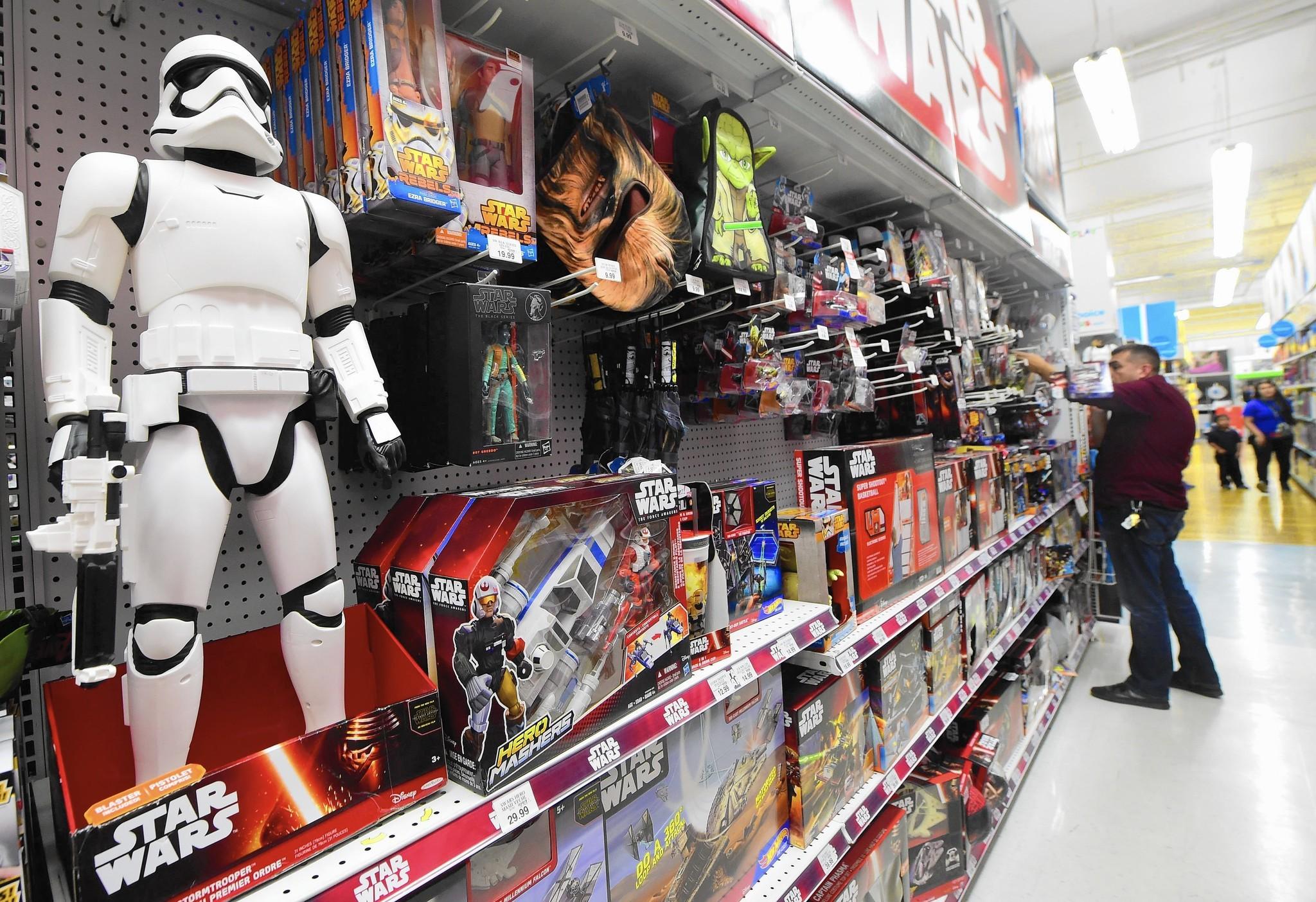39 star wars 39 sales force awakens george lucas 39 old for Merchandising star wars