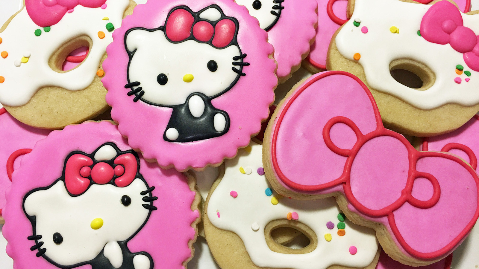 hello kitty cafe pop up to open in irvine and the hello kitty truck is headed to glendale la times