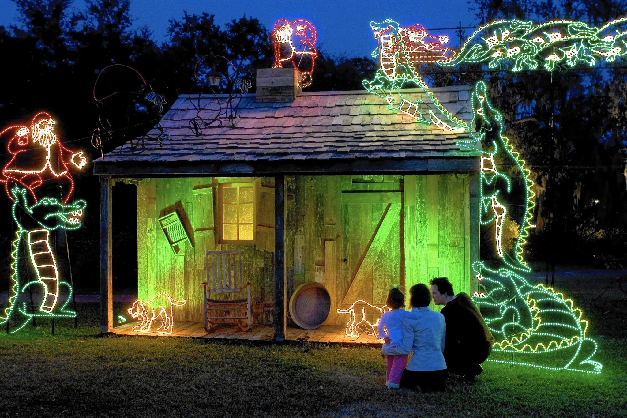 Louisiana Holiday Open Doors And Fires In The Bayous