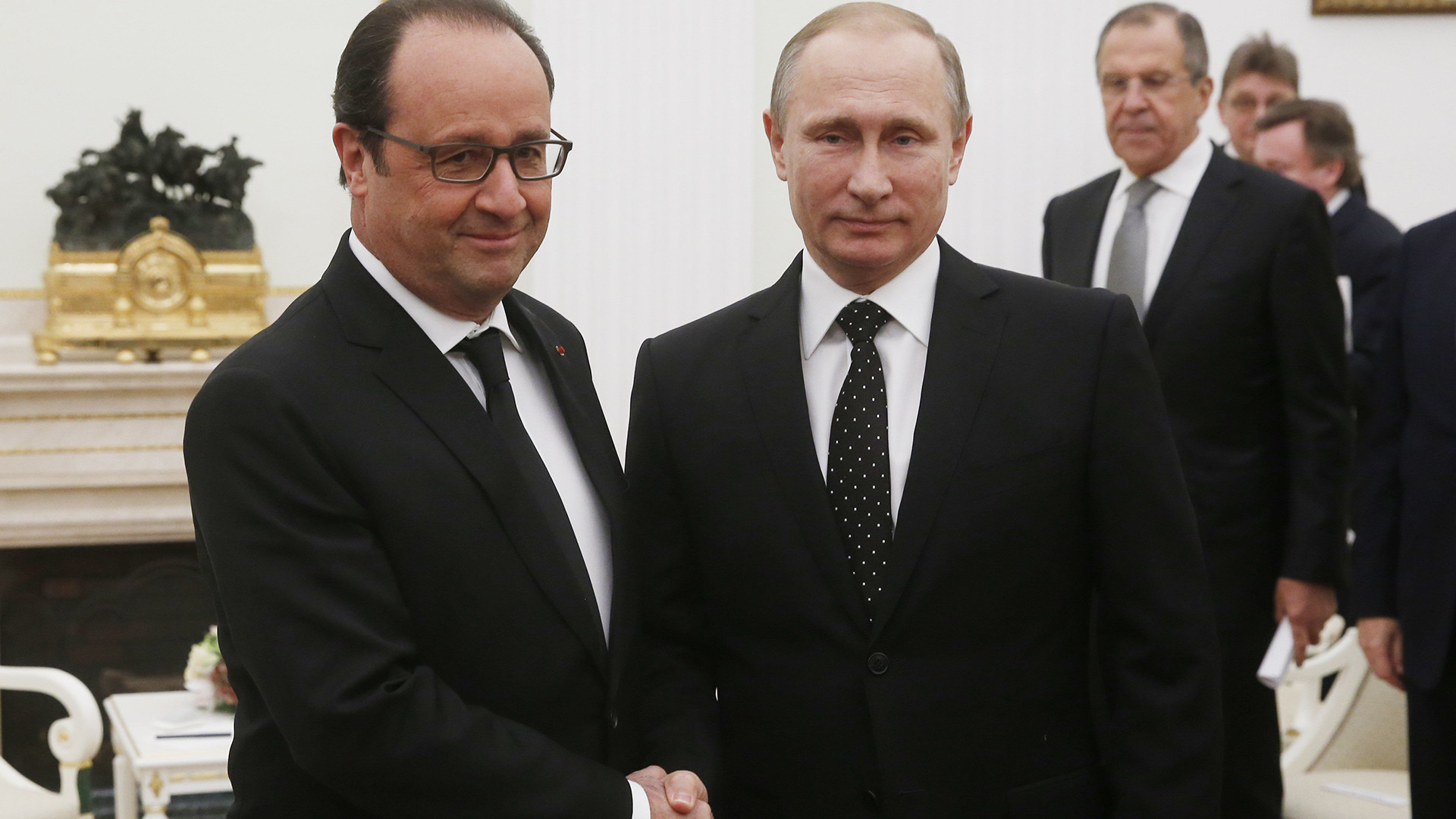 France, Russia agree to tighten cooperation against Islamic State