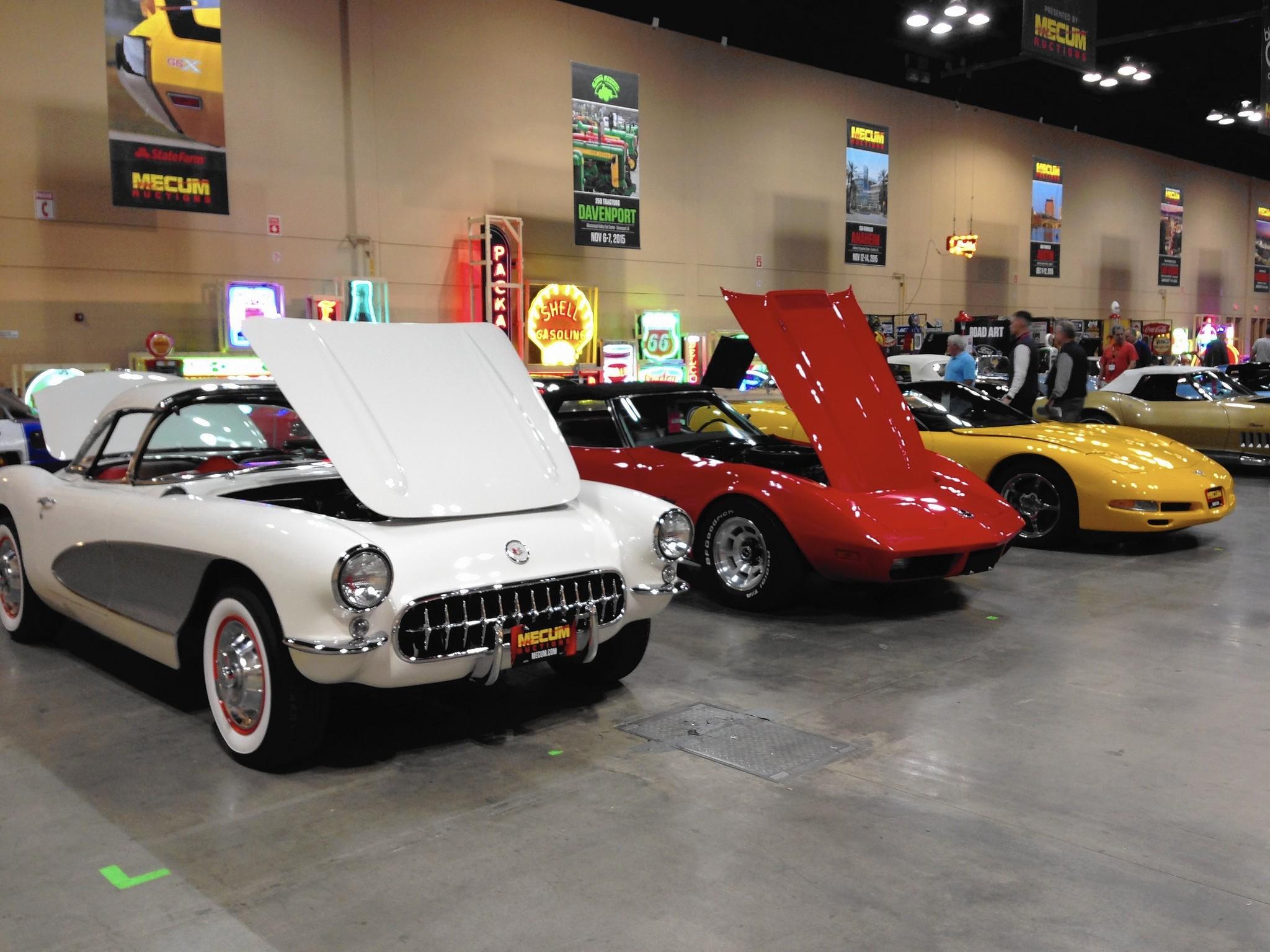 Corvette Center Ct Classic Corvettes At Mecum Auction