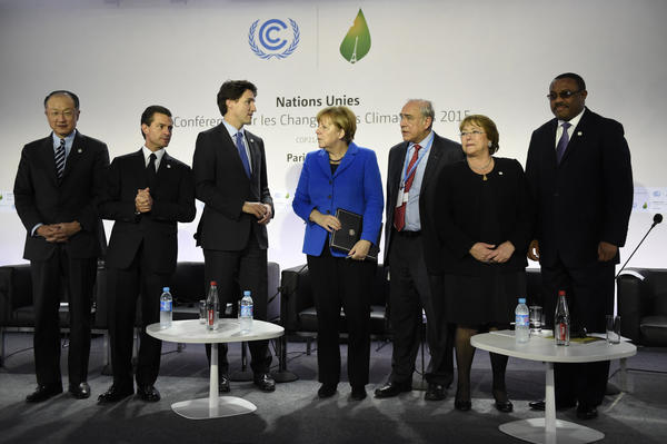 World leaders confer at the meeting on carbon pricing. (AFP/Getty Images)