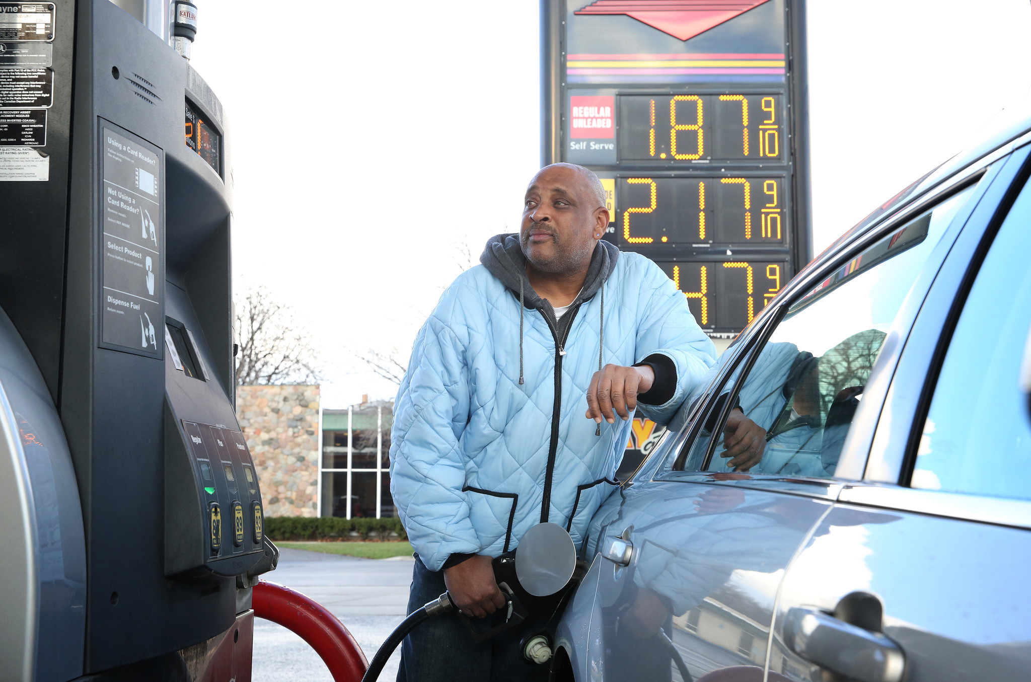 Gas Prices Chicago >> Average Chicago Area Gas Prices Near The 2 Mark Chicago Tribune
