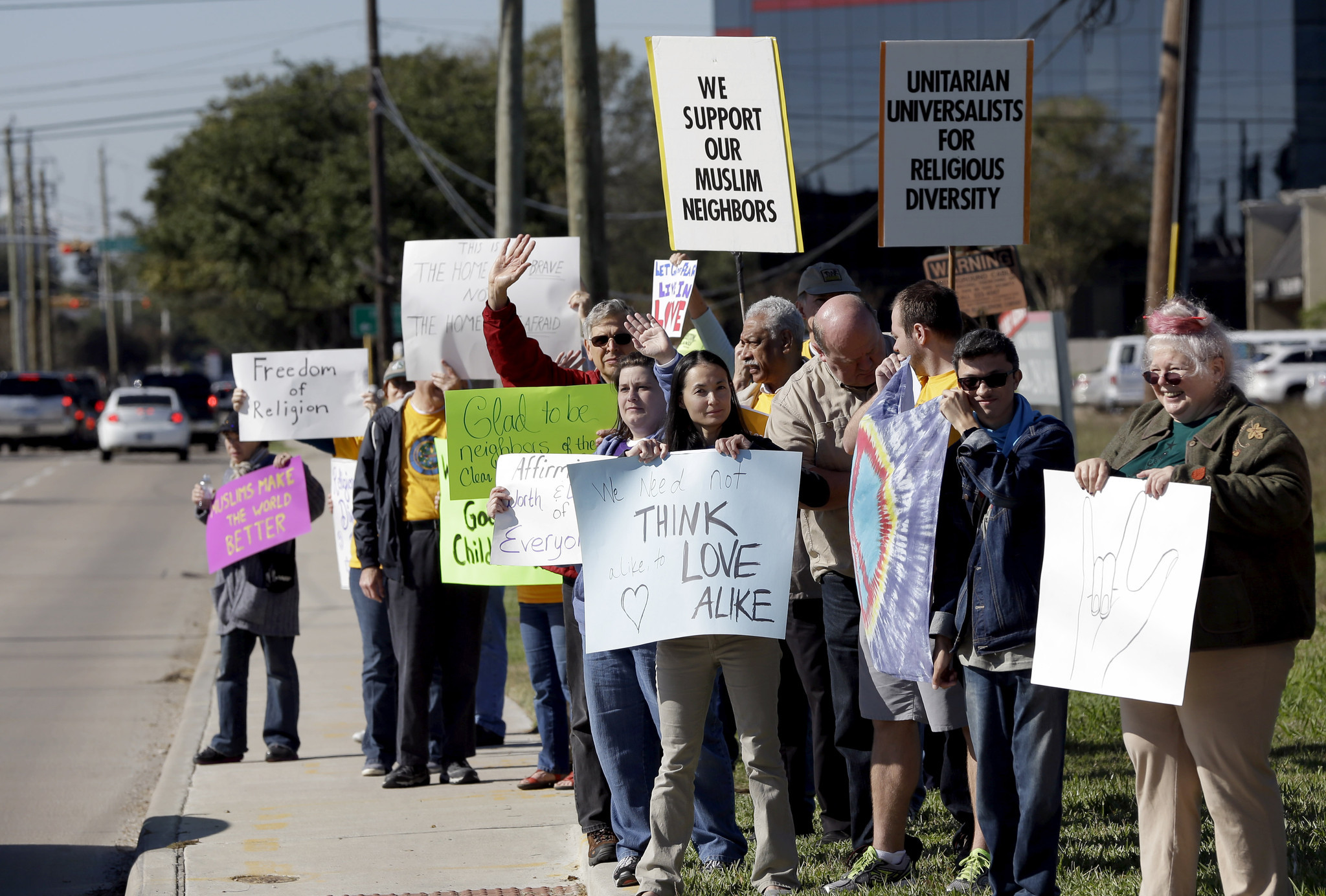 Texas backs down from effort to block Syrian refugees