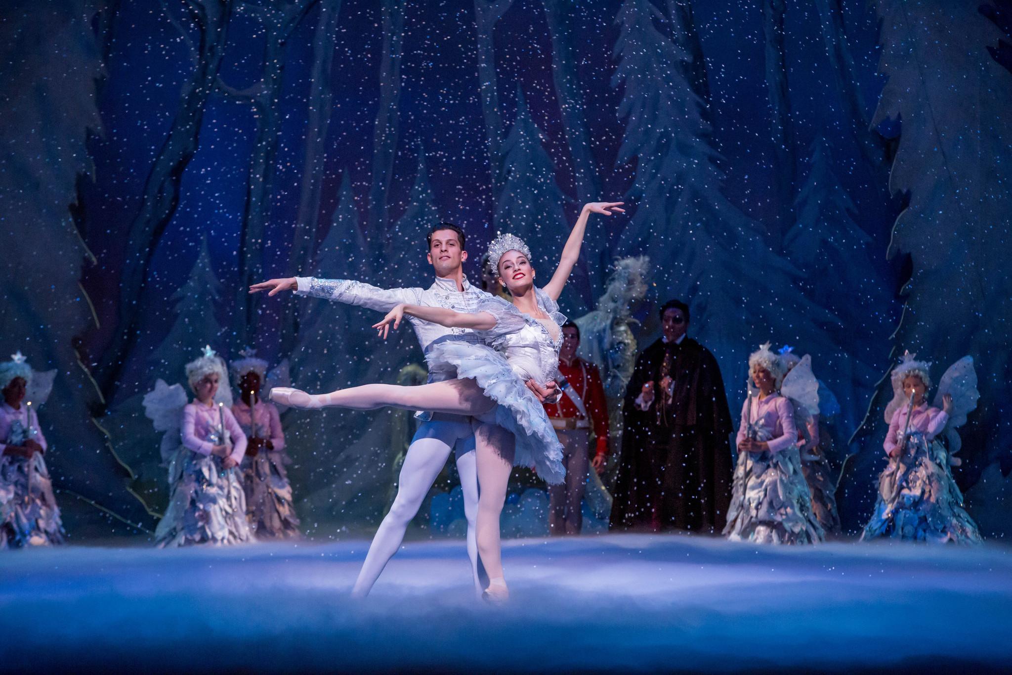 An AMAZING Nutcracker performance ! ! - Joffrey Ballet