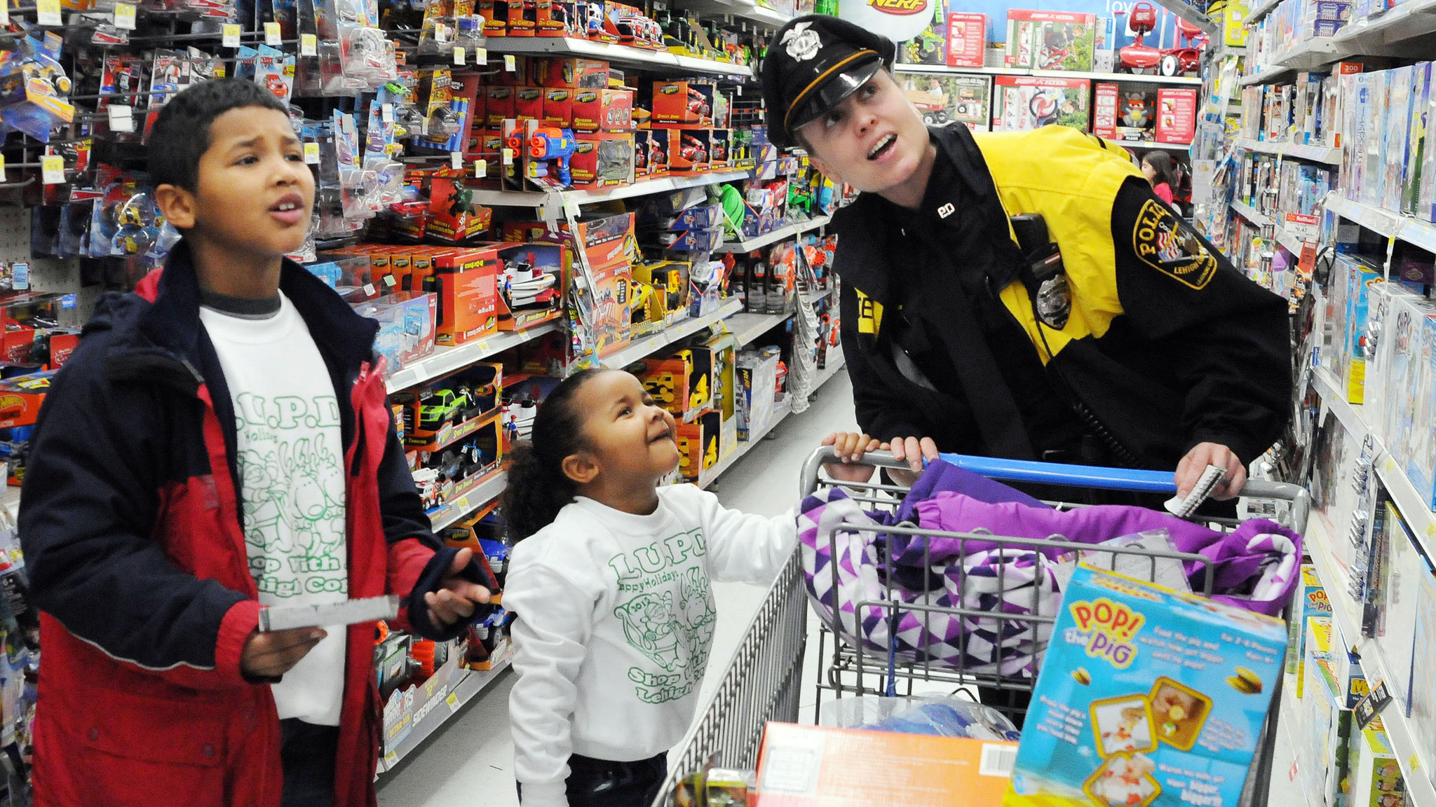 Lehigh University police take kids Christmas shopping at Walmart - The Morning Call